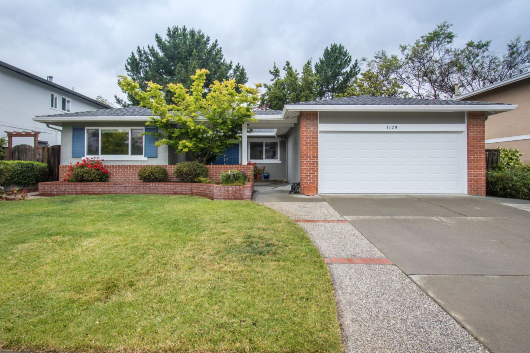 Single Family Home for Active at Bright, Serene and Spacious 1129 Clydebank Court Sunnyvale, California 94087 United States