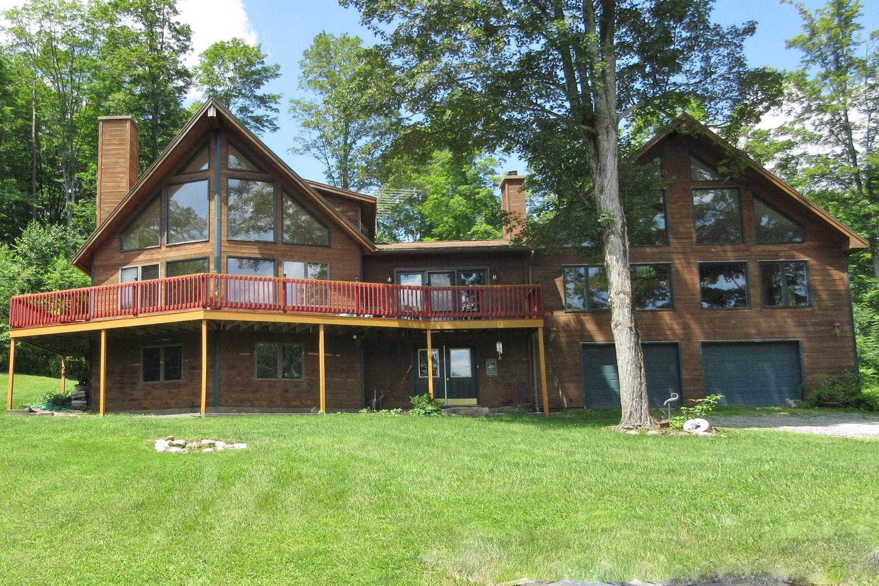Maison unifamiliale pour l à vendre à Contemporary Home on 11.7 Acres 244 Teer, Clarendon, Vermont, 05759 États-Unis