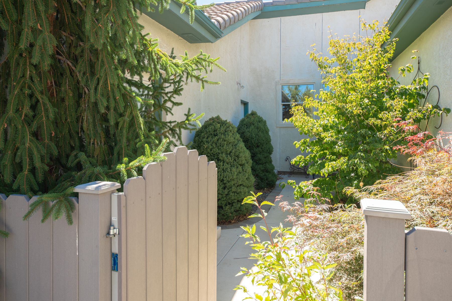 Additional photo for property listing at 1489 Wild Iris Court,  Gardnerville, NV 89410 1489 Wild Iris Court 加登维尔, 内华达州 89410 美国