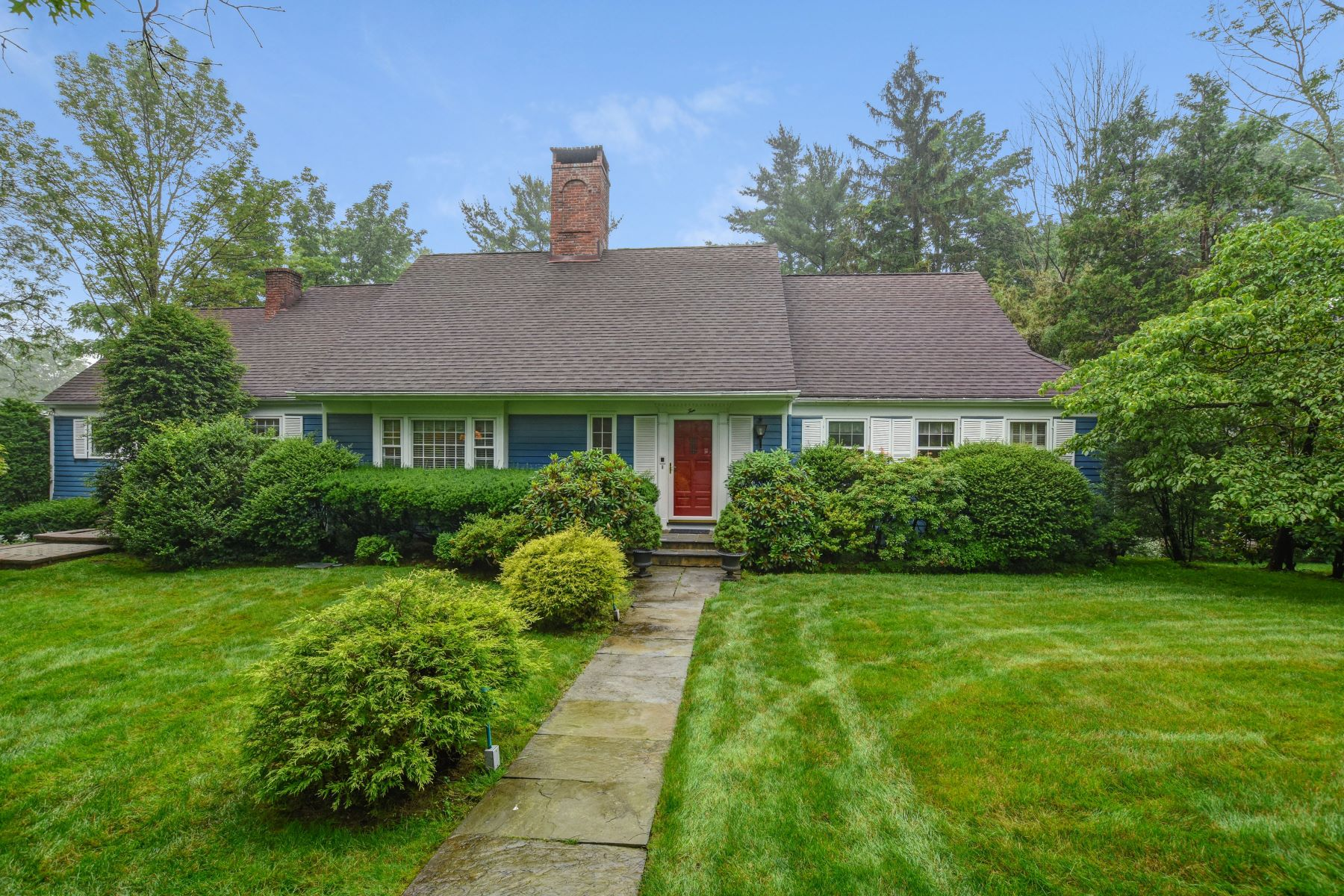 Single Family Homes por un Venta en Spacious Custom Colonial 10 Glenmere Drive Chatham, Nueva Jersey 07928 Estados Unidos