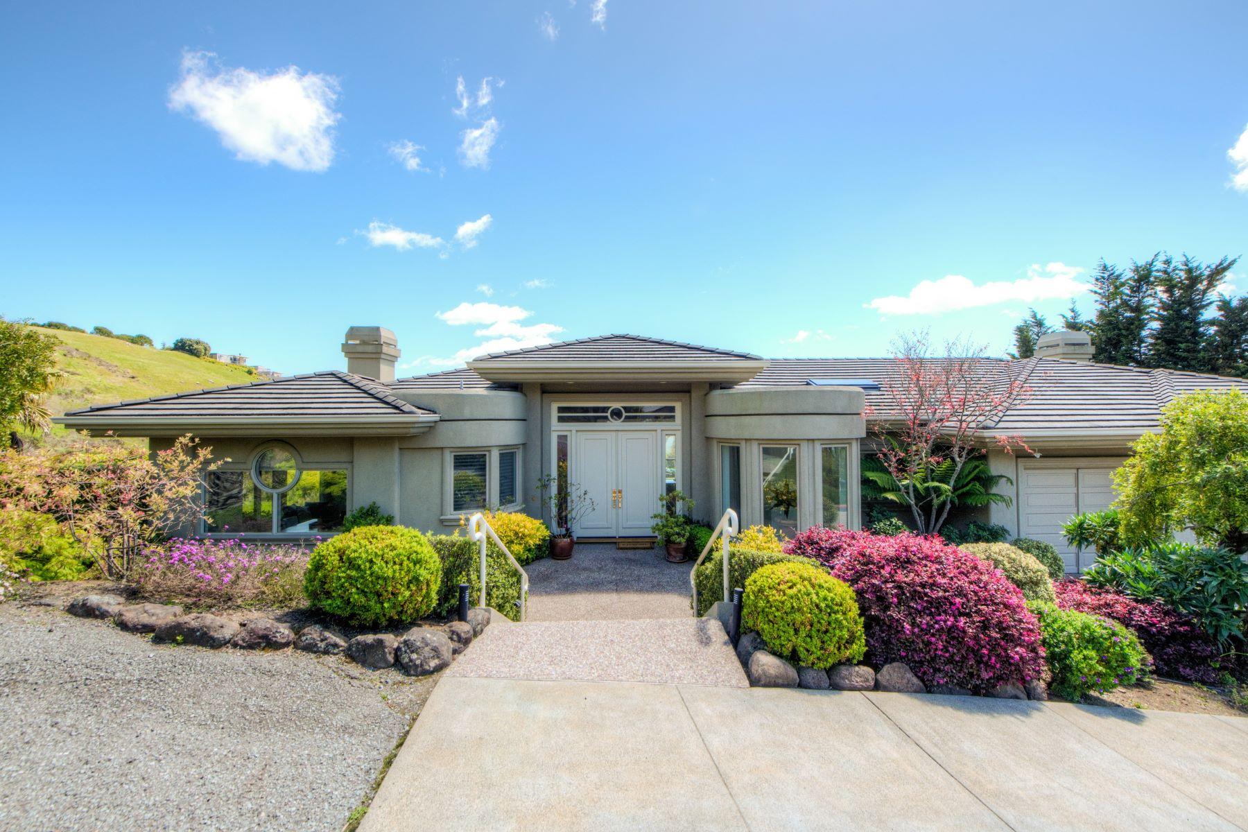 Single Family Homes por un Venta en Expansive views, spacious design 5 Midden Lane Tiburon, California 94920 Estados Unidos