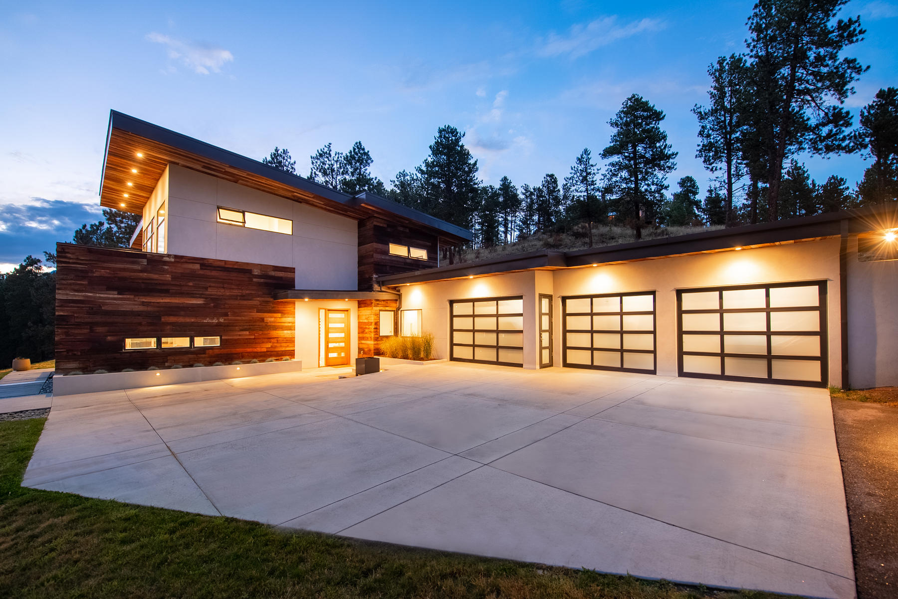 Single Family Home for Active at Architecturally Distinctive, Yet Utterly Functional 3551 Overlook Trail Evergreen, Colorado 80439 United States
