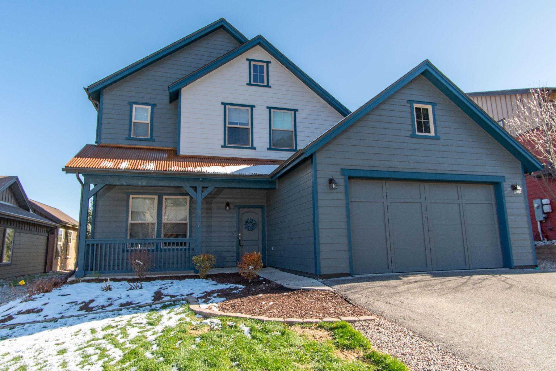 Casa Unifamiliar por un Venta en SPACIOUS HOME ON 16TH FAIRWAY 117 Bent Grass Drive Glenwood Springs, Colorado 81601 Estados Unidos