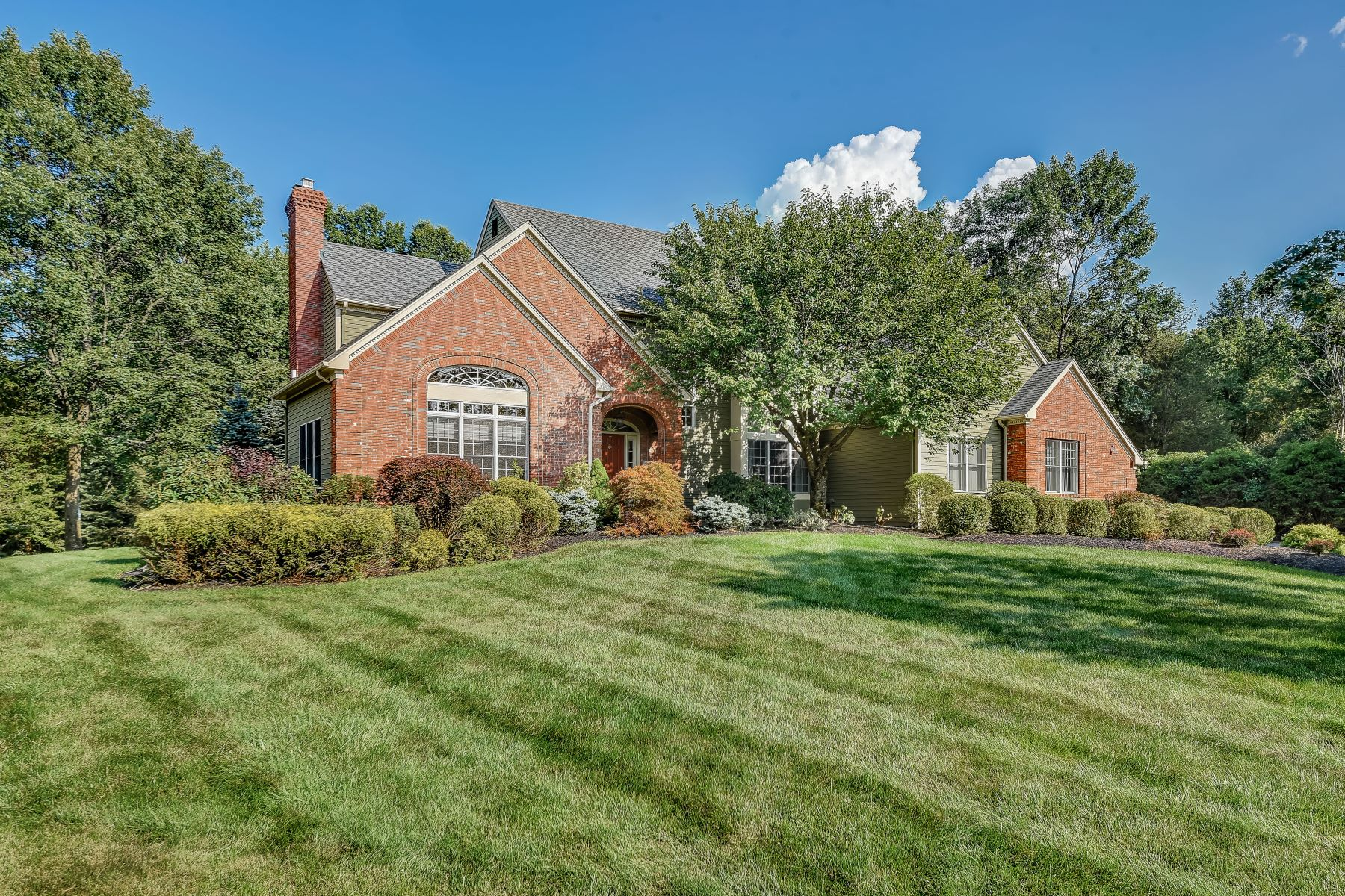 Single Family Home for Sale at Elegant Colonial 7 Yorkshire Court Basking Ridge, New Jersey 07920 United States