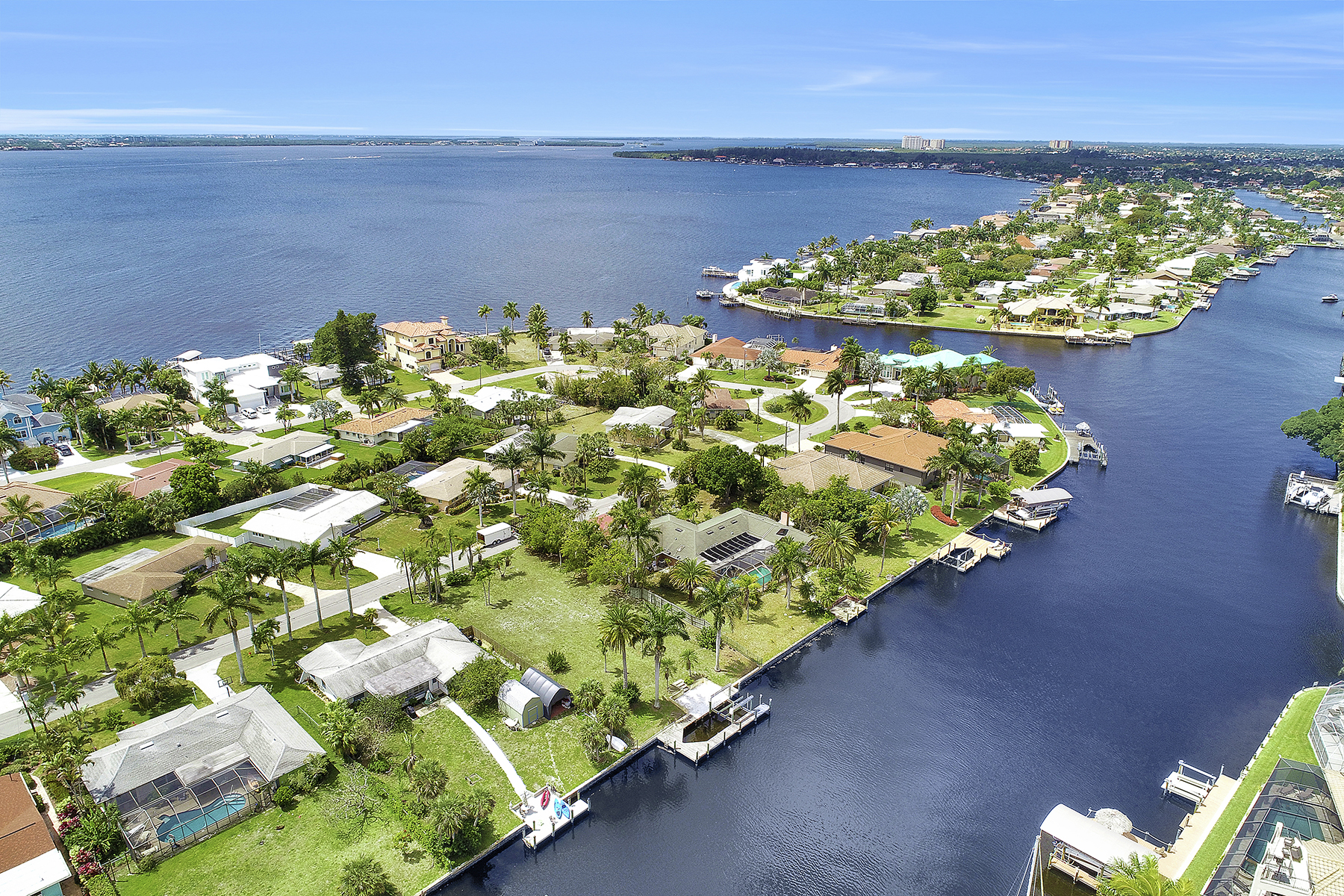 Land for Sale at CAPE CORAL 931 Dolphin Drive, Cape Coral, Florida 33904 United States