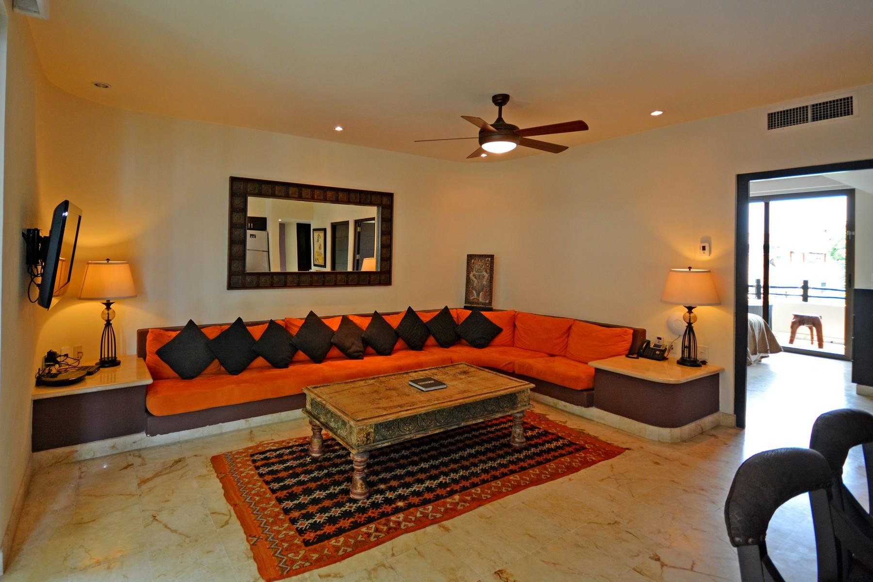 Additional photo for property listing at INSPIRADOR DEPARTAMENTO DE FRENTE DE PLAYA Oceanfront,  3rd Level, El Taj Calle 1era Nte, entre 12 y 14 Nte. Playa Del Carmen, Quintana Roo 77710 México
