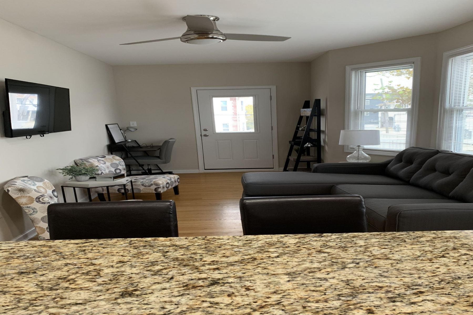 Additional photo for property listing at 5123 Ventnor Ave, Unit A  Ventnor, New Jersey 08406 Vereinigte Staaten