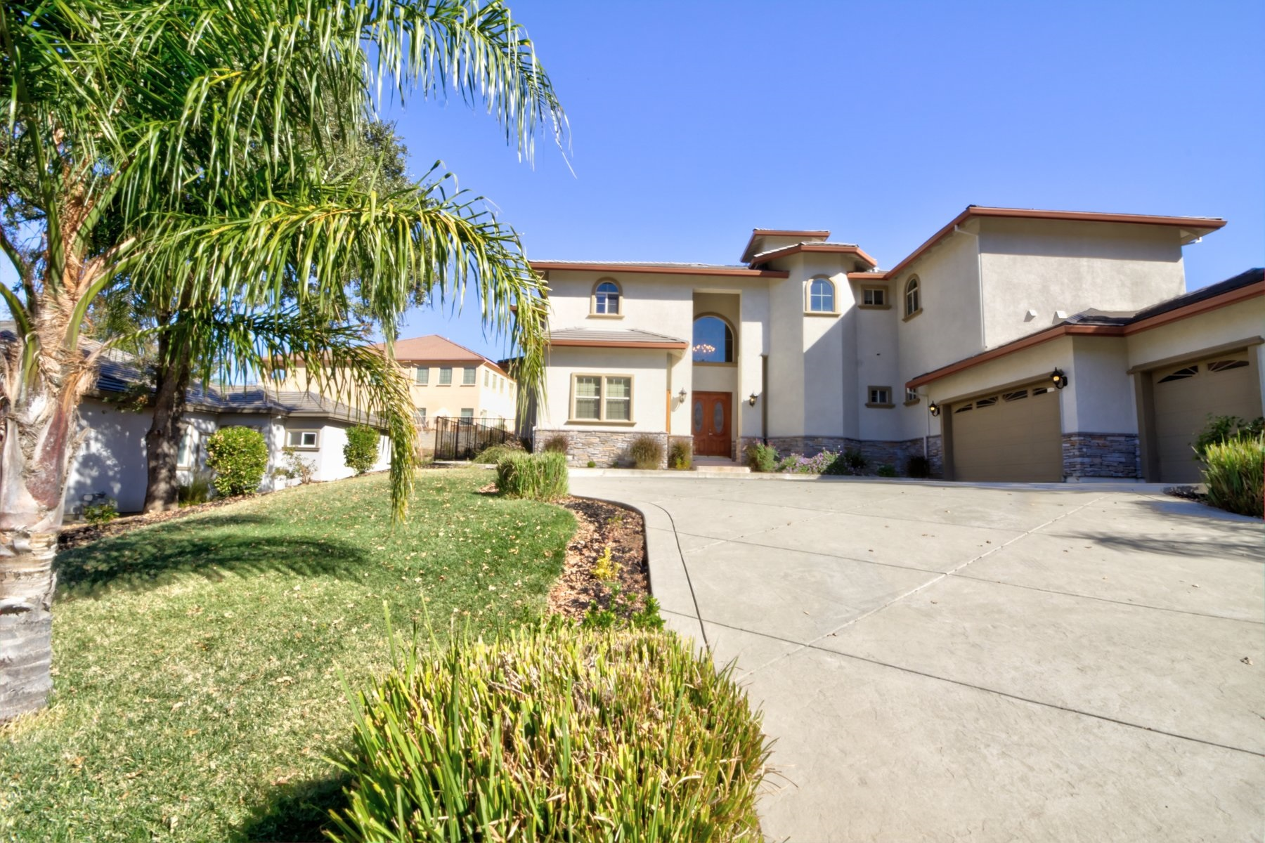 Single Family Home for Sale at 2025 Zinfandel Court, Vacaville, CA 95688 Vacaville, California, 95688 United States