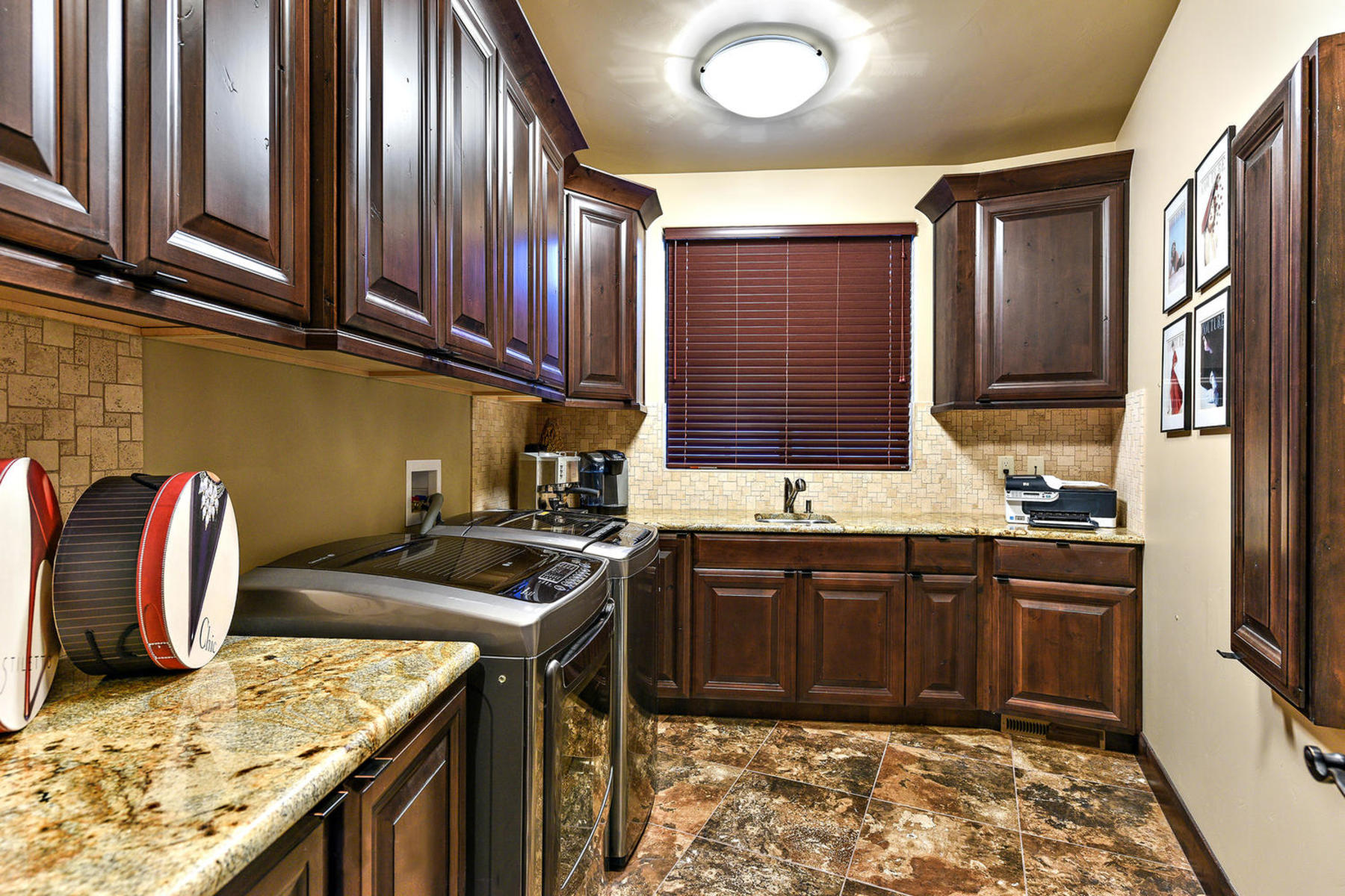 Additional photo for property listing at Kachina Springs Views & Waterfalls 2336 W Entrada Trail #25 St. George, Utah 84770 United States