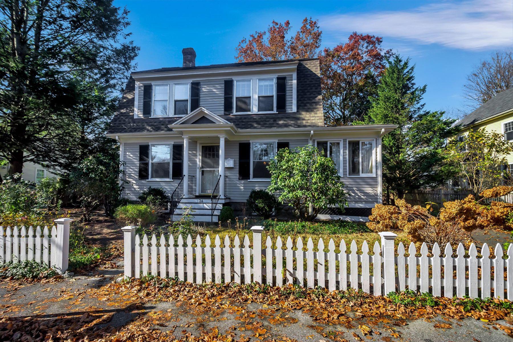 Single Family Homes por un Venta en 36 Laurel Street Concord, Massachusetts 01742 Estados Unidos