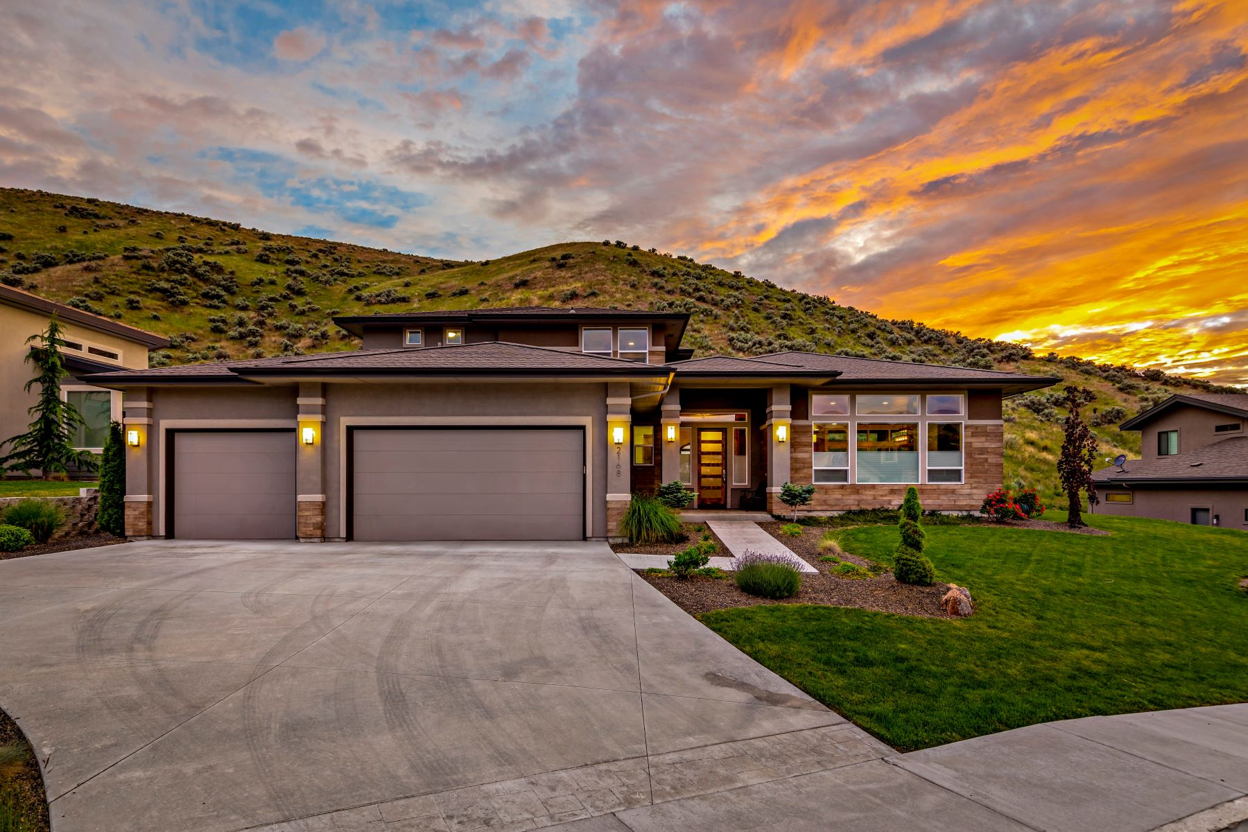 Single Family Homes for Active at 2168 Bent Bow Ct Boise, Idaho 83703 United States