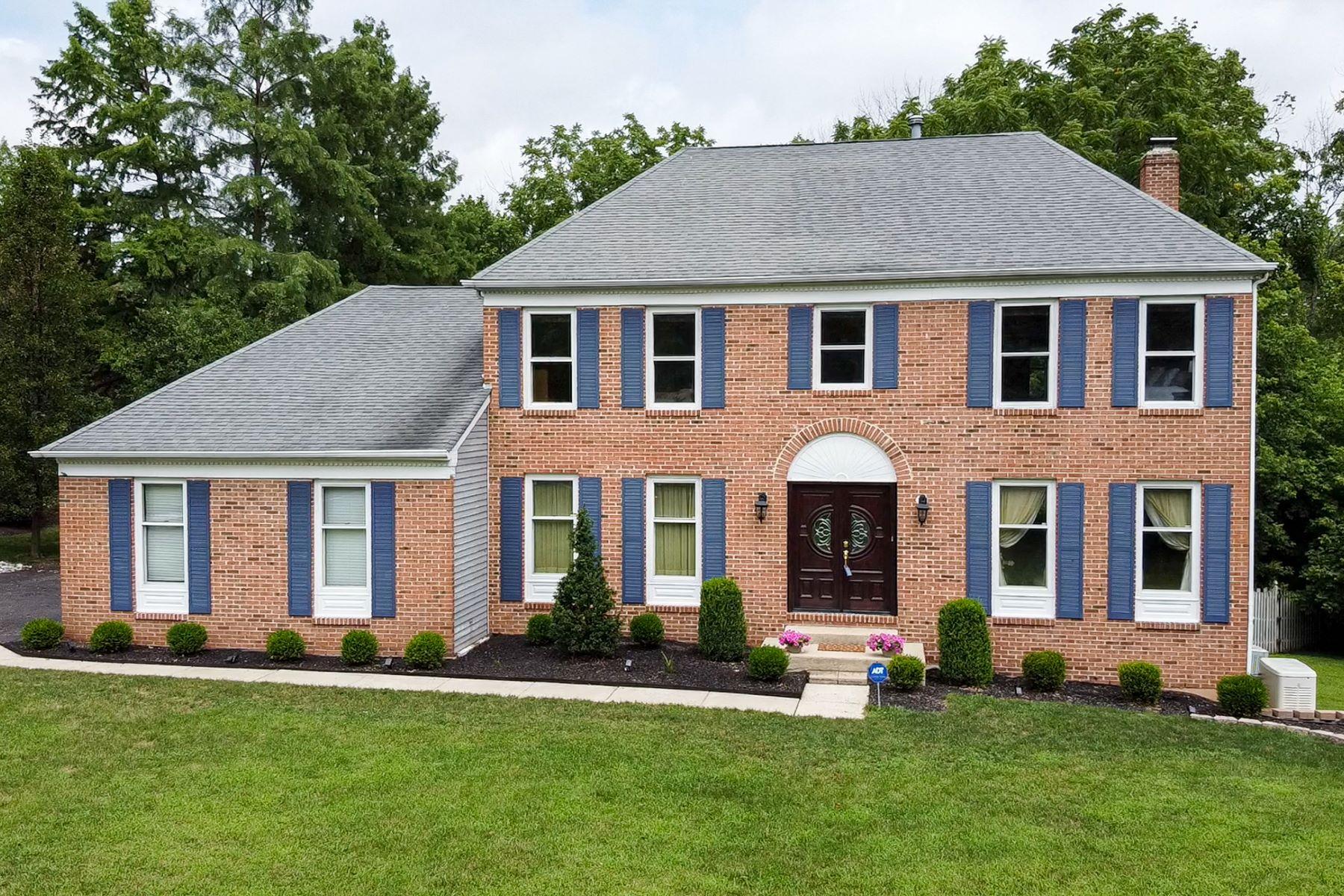 Single Family Homes für Verkauf beim Classic Brick Front Colonial 8 Tamarack Drive, Branchburg, New Jersey 08853 Vereinigte Staaten