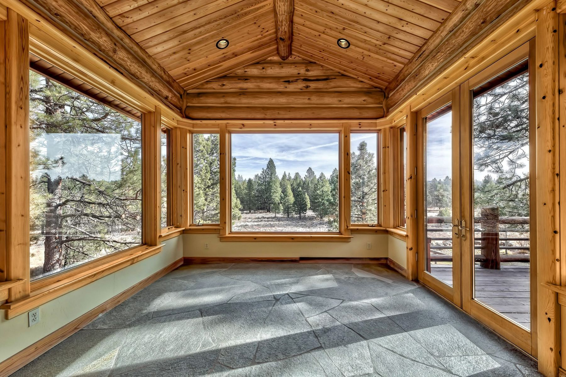 Additional photo for property listing at 12605 Prosser Dam Road, Truckee, Ca 96161 12605 Prosser Dam Road Truckee, California 96161 United States