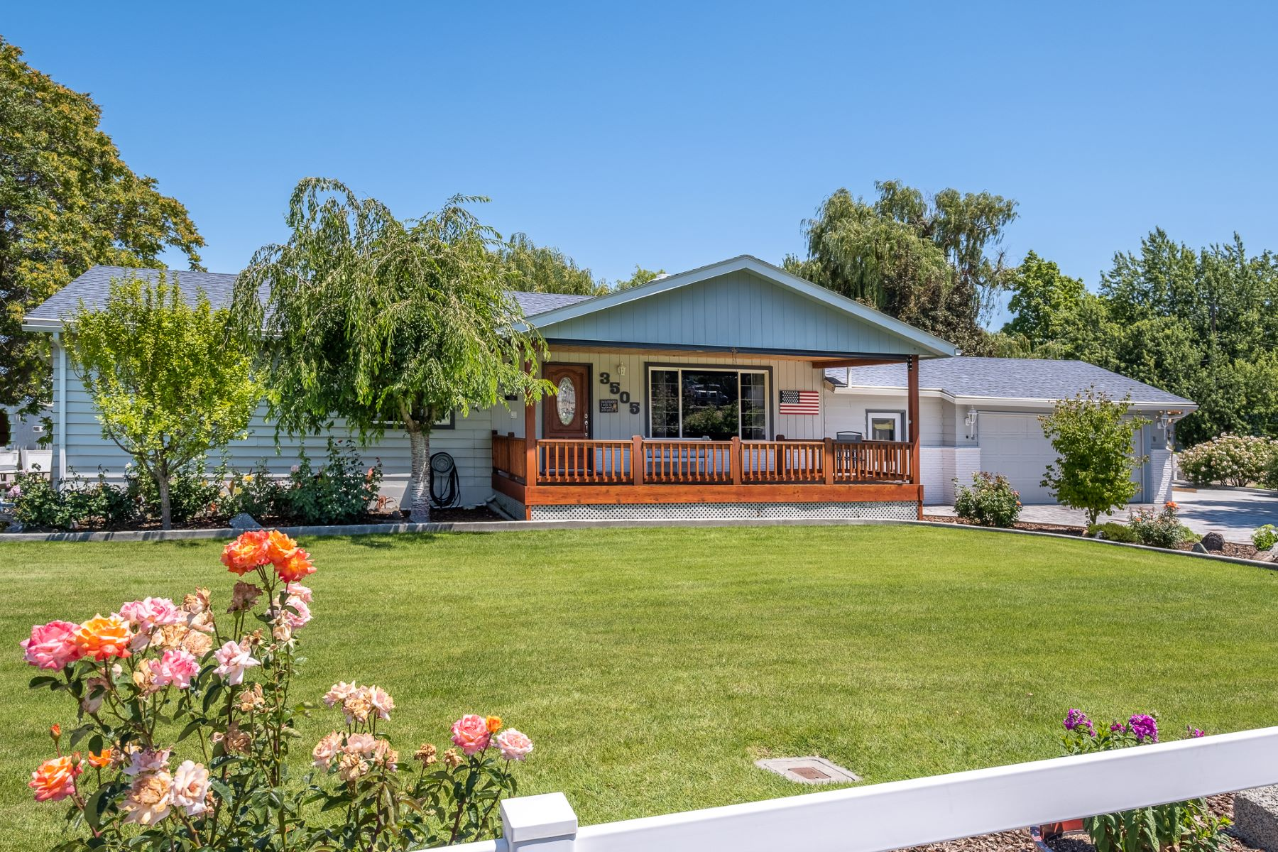 "Single Family Homes for Sale at ""A STREAM RUNS THROUGH IT"" ---SHOP, SHOP, &SHOPS 3505 S Garfield Street Kennewick, Washington 99337 United States"