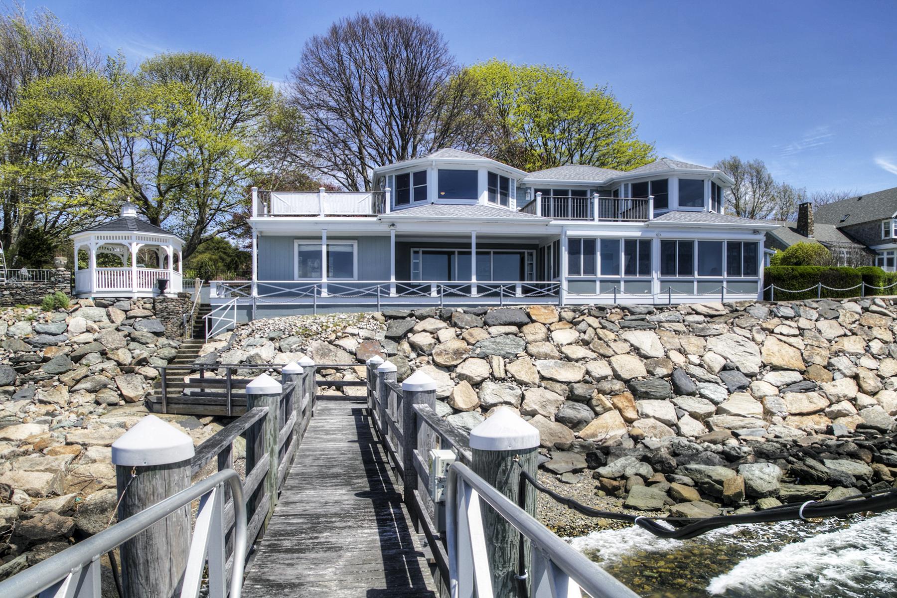 واحد منزل الأسرة للـ Sale في Nanaquaket 120 Leonard Drive Tiverton, Rhode Island 02878 United States