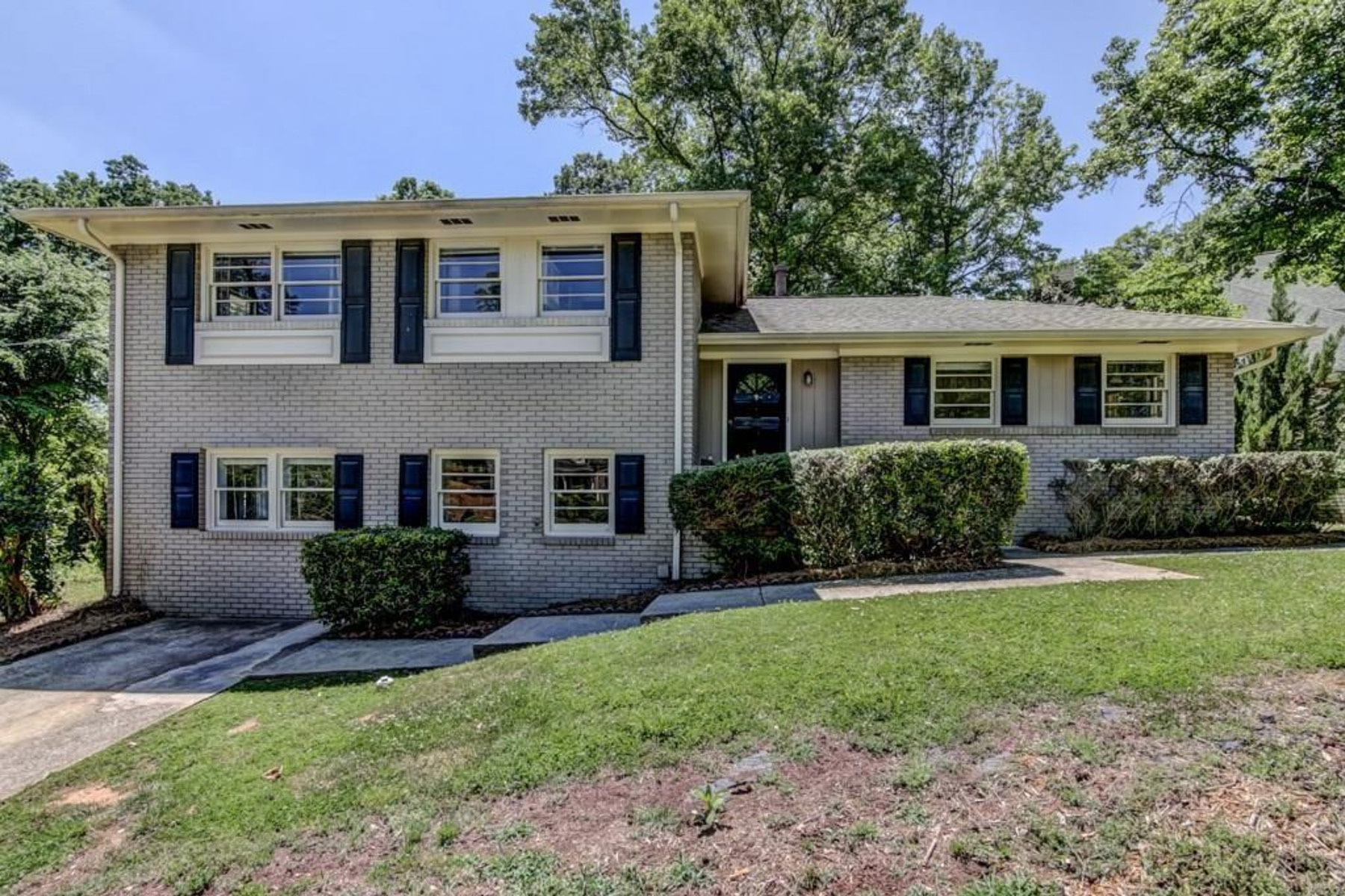 Single Family Home for Rent at Location! Location! Location! 3956 Pineview Drive Smyrna, Georgia 30080 United States