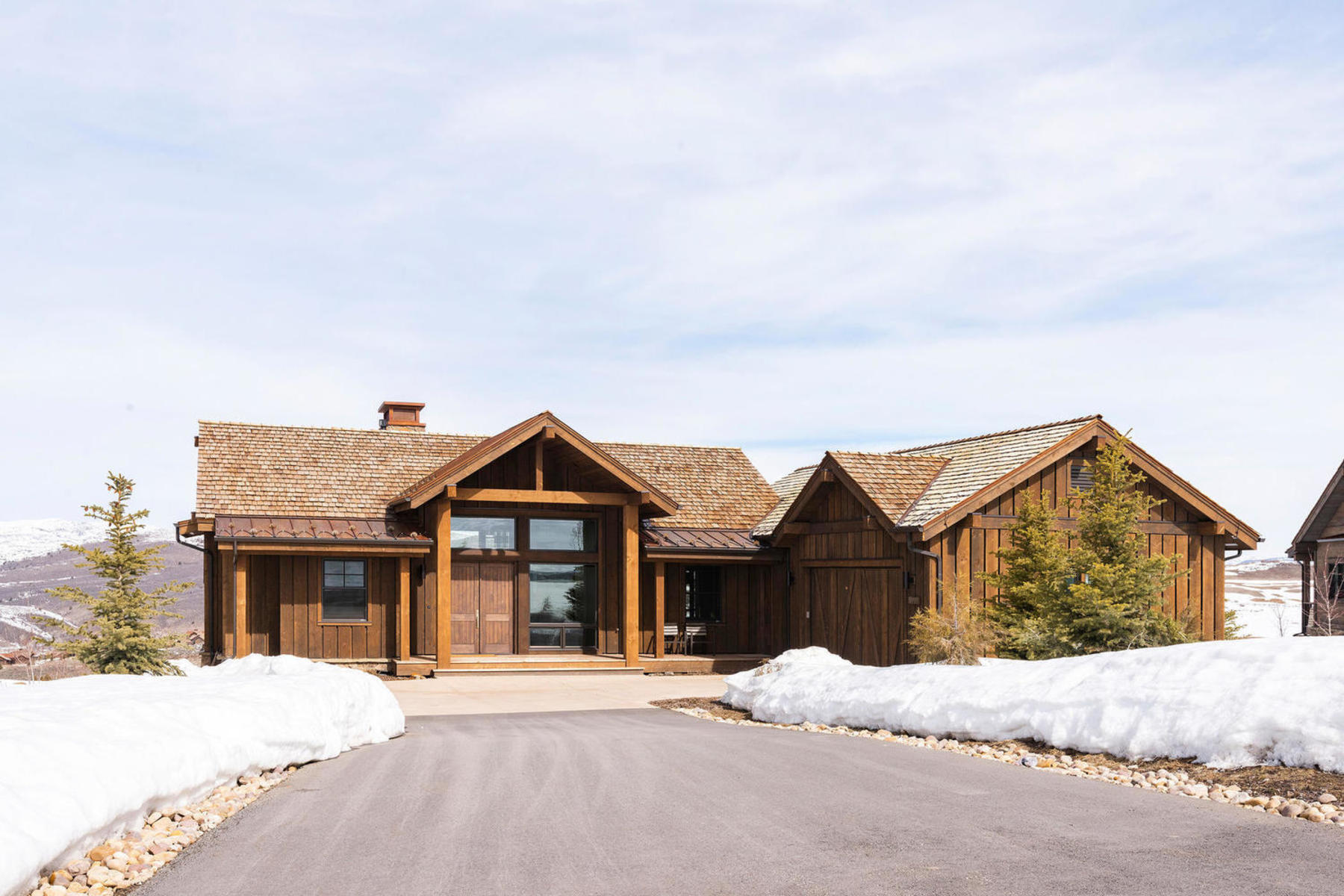 Single Family Homes for Sale at Juniper Cabin with Spectacular Views! 6314 N Whispering Way Heber City, Utah 84032 United States
