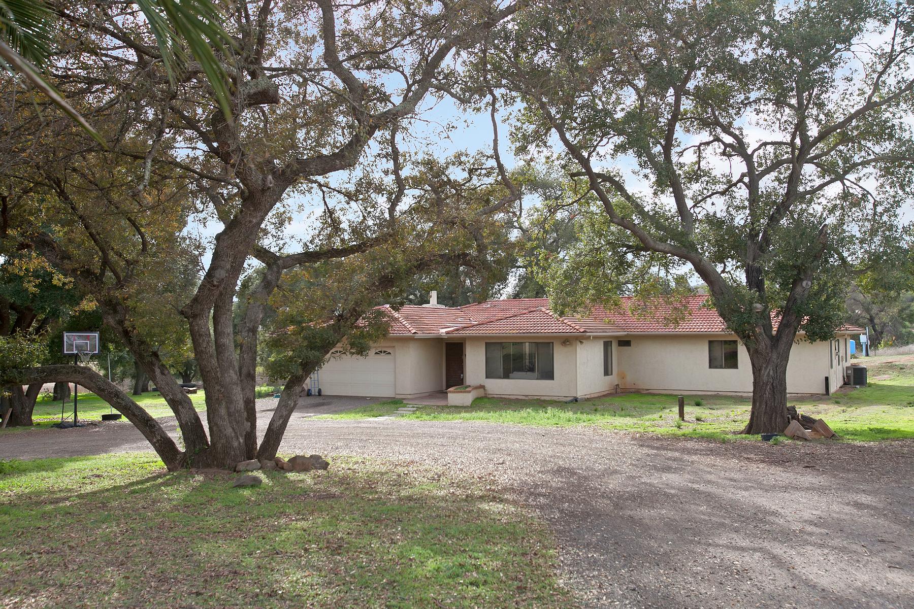 独户住宅 为 销售 在 12623 Muth Valley Road Lakeside, 加利福尼亚州, 92040 美国