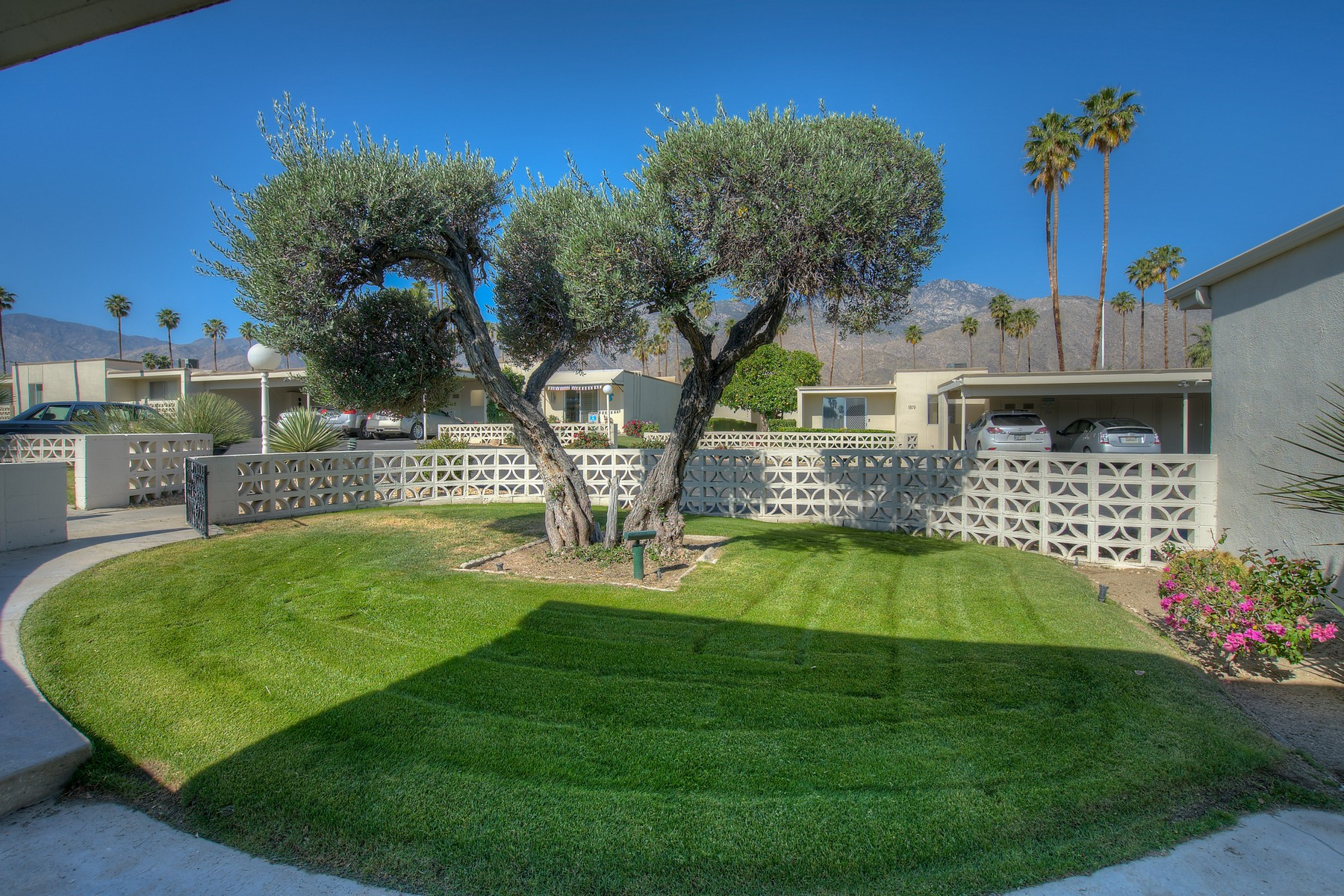 Single Family Home for Sale at 1828 Sandcliff 1828 Sandcliff Rd Palm Springs, California, 92264 United States