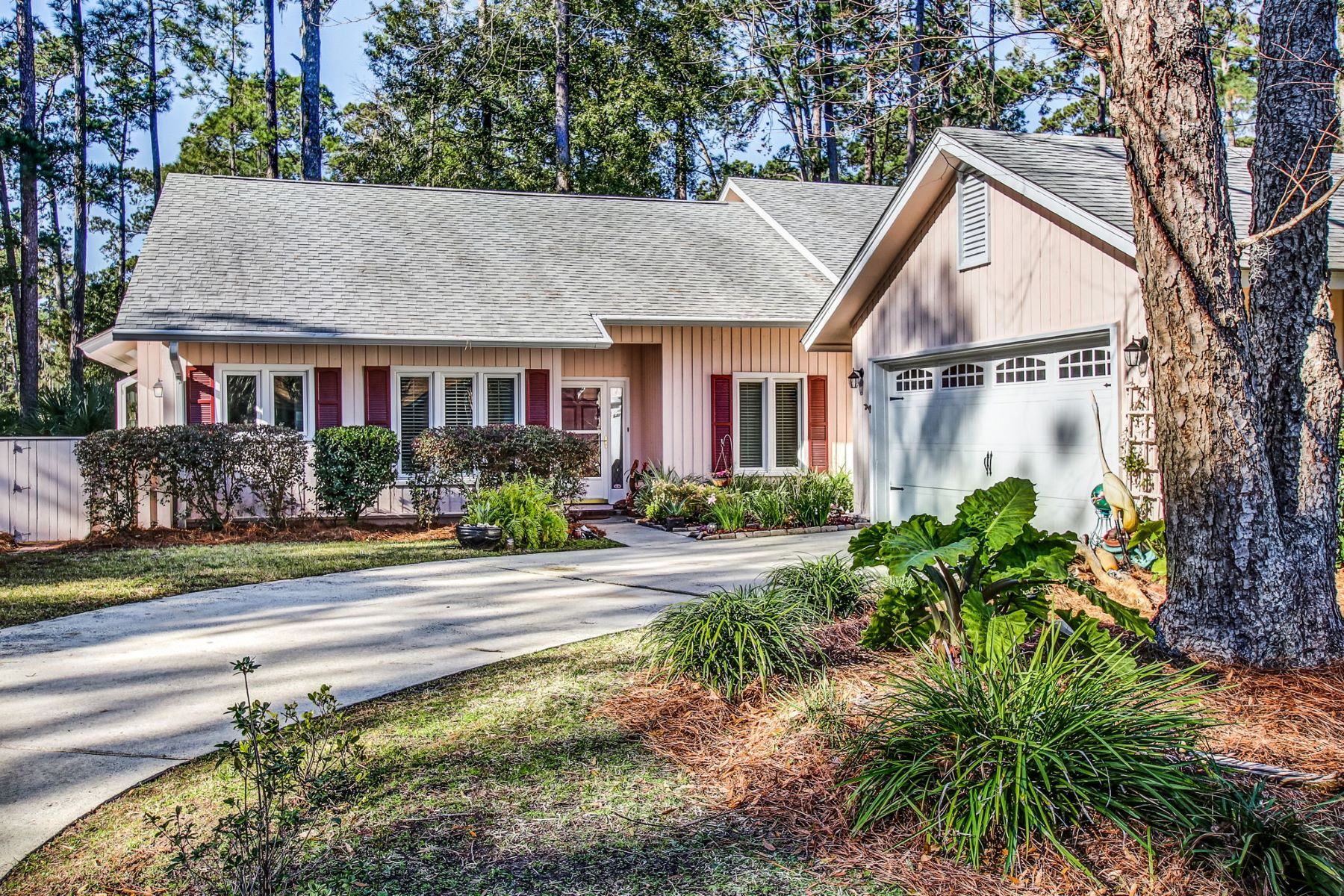 Single Family Homes for Sale at 45 Village Green Circle Skidaway Island, Georgia 31411 United States