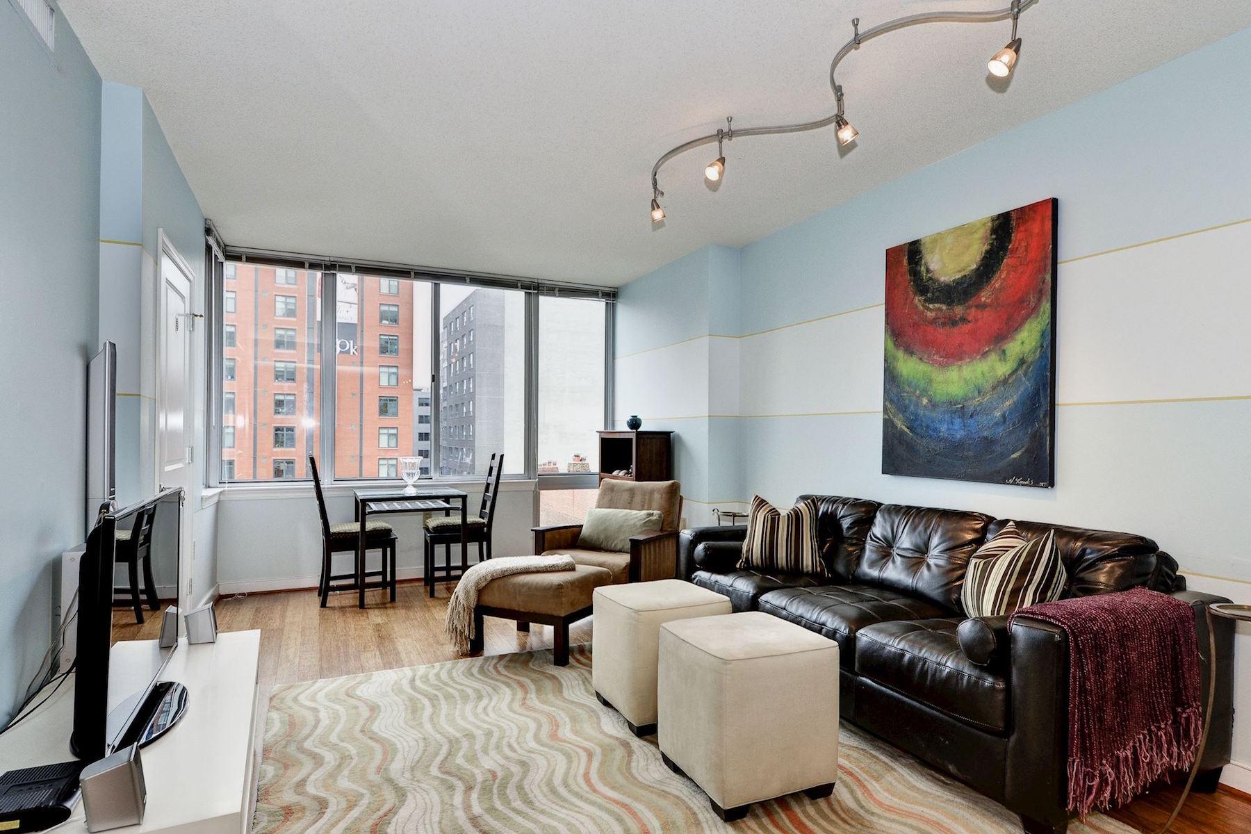 콘도미니엄 용 매매 에 Downtown Living with Every Amenity 555 Massachusetts Avenue Nw 612 Washington, 컬럼비아주, 20001 미국
