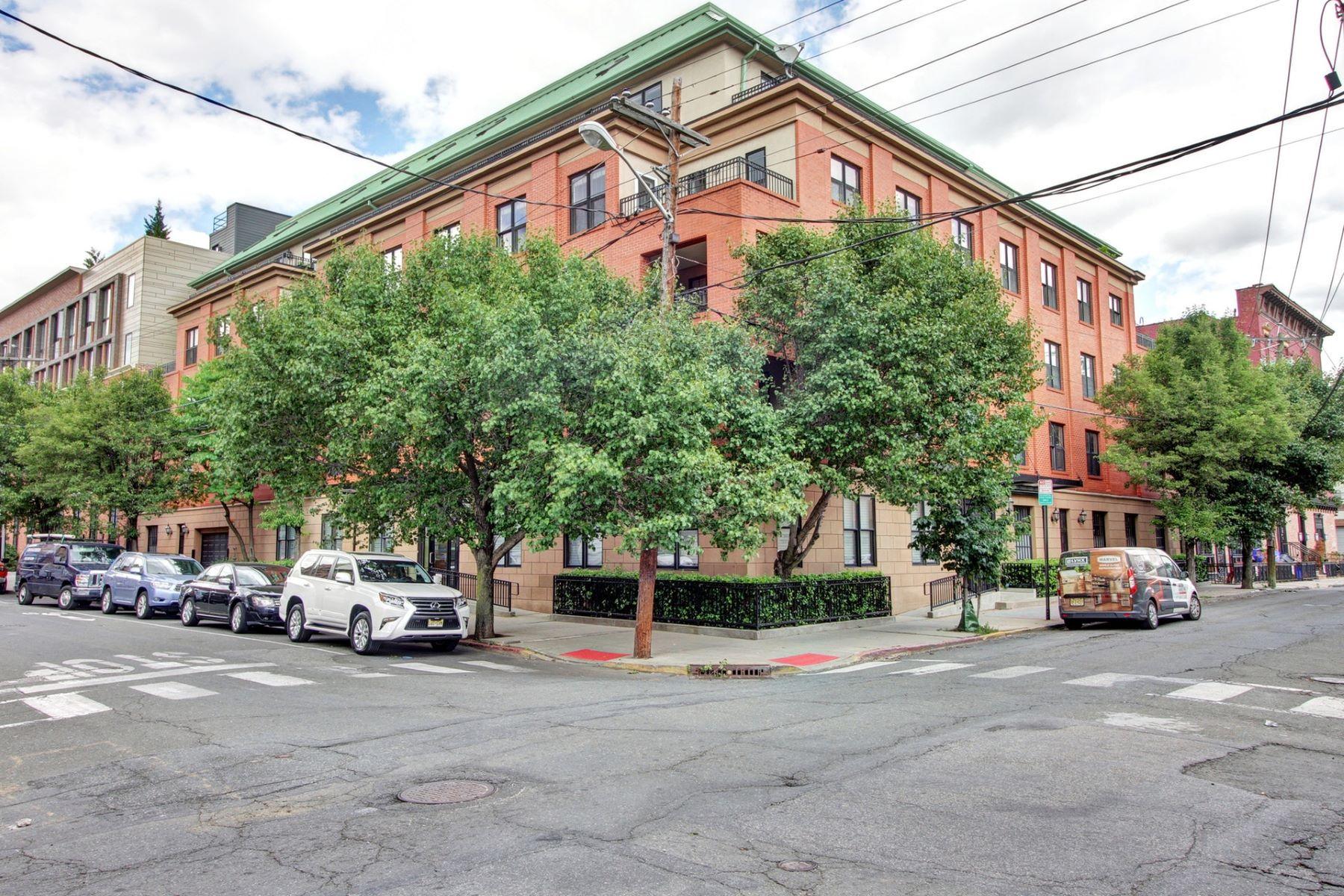 """共管式独立产权公寓 为 销售 在 Hoboken """"Smart"""" 2BR + Parking 350 7TH Street #4E, 霍博肯, 新泽西州 07030 美国"""