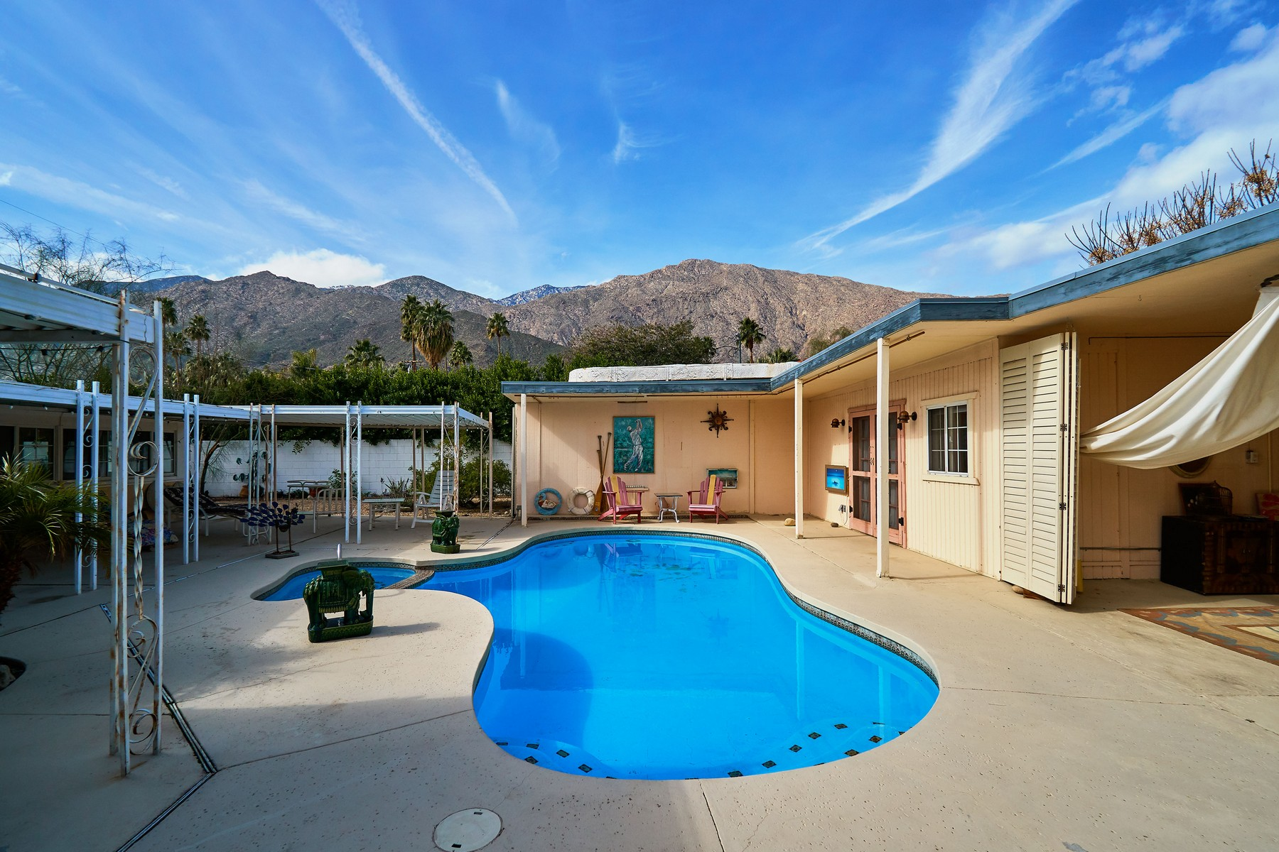 sales property at 271 E Ocotillo Avenue