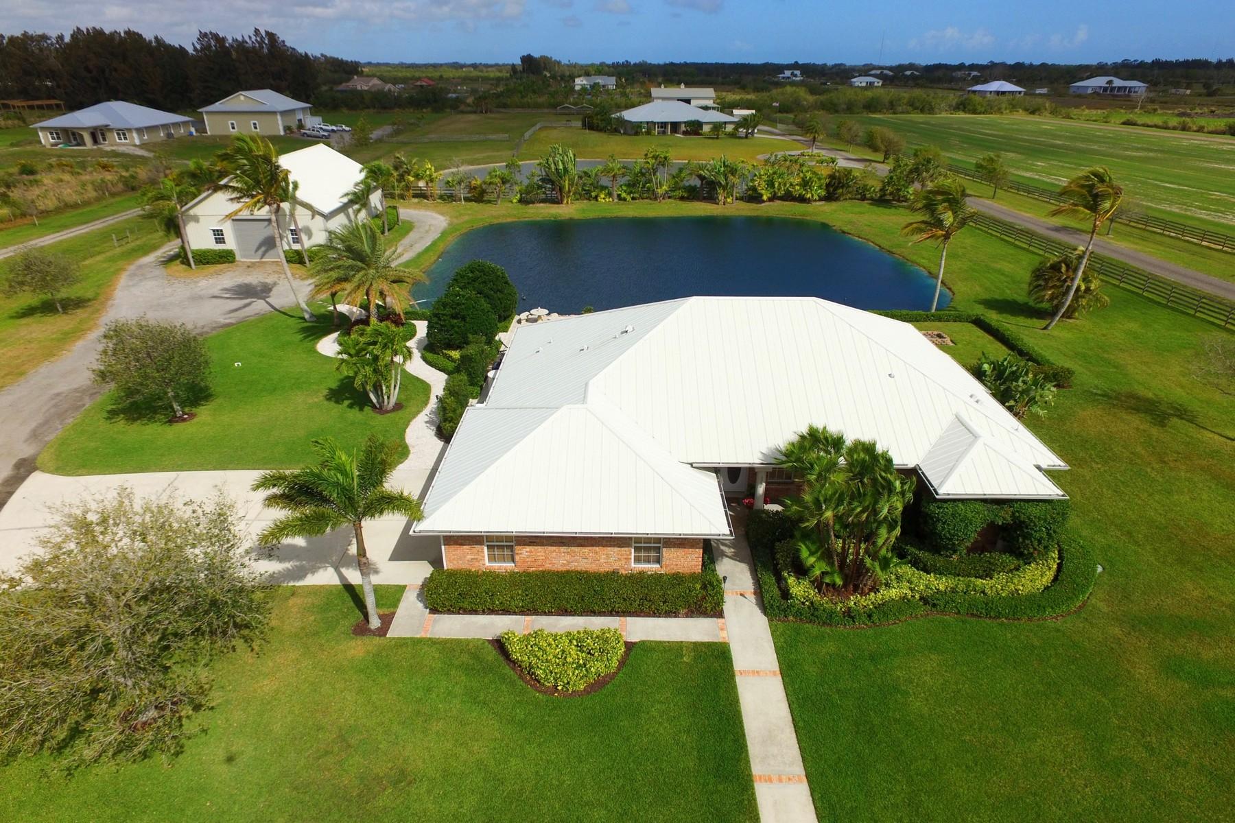 Частный односемейный дом для того Продажа на FIVE ACRE PARADISE with BARN 6990 61st Street, Vero Beach, Флорида, 32967 Соединенные Штаты