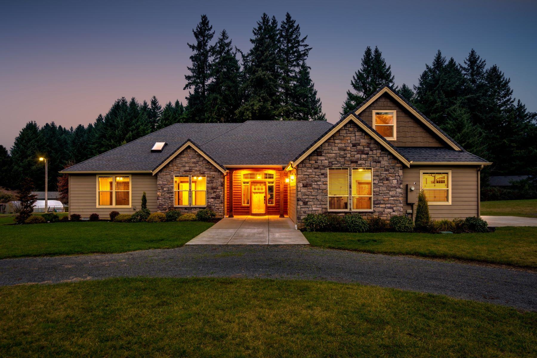 Single Family Homes for Sale at Craftsman Style Luxury on 2.5 Acres 6502 NE 124th St Vancouver, Washington 98686 United States