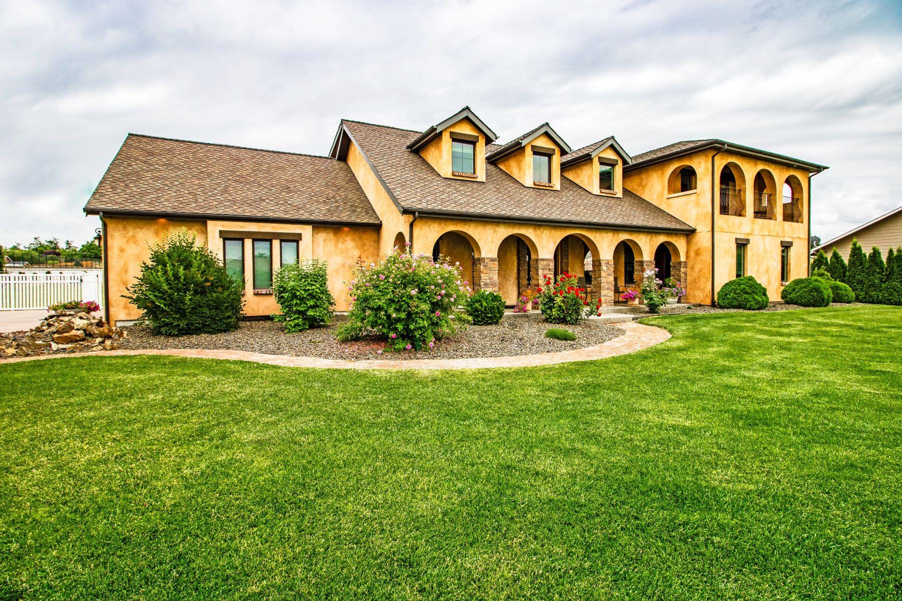 Single Family Homes 為 出售 在 Smart home with Old World charm 2727 Jessica Lane, Walla Walla, 華盛頓州 99362 美國