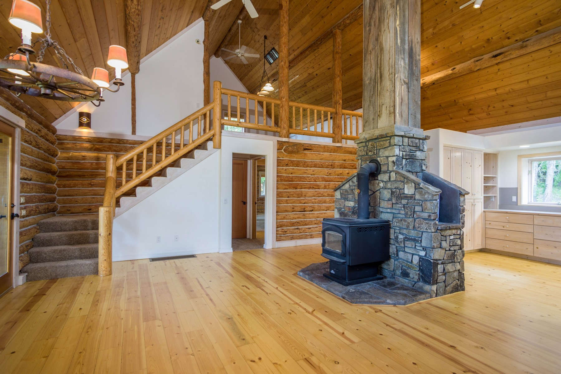 Additional photo for property listing at 1285 Swan Hill Dr , Bigfork, MT 59911 1285  Swan Hill Dr Bigfork, Montana 59911 United States