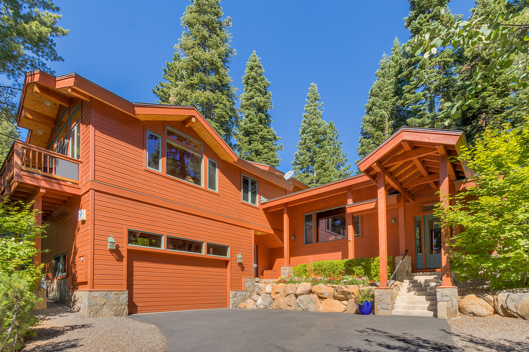 独户住宅 为 销售 在 485 High Street, Carnelian Bay, CA Carnelian Bay, 加利福尼亚州 96140 美国