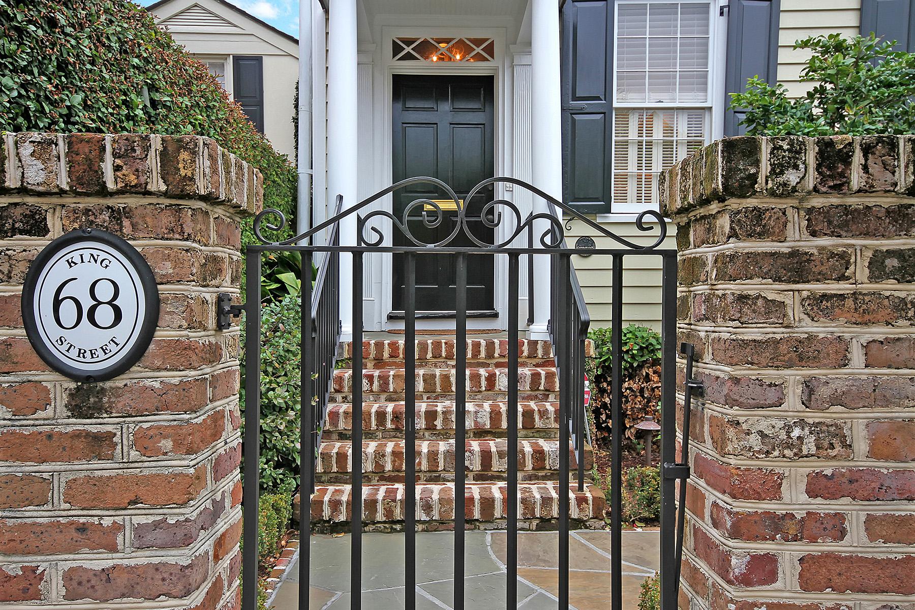 واحد منزل الأسرة للـ Sale في 68 King Street South Of Broad, Charleston, South Carolina, 29401 United States