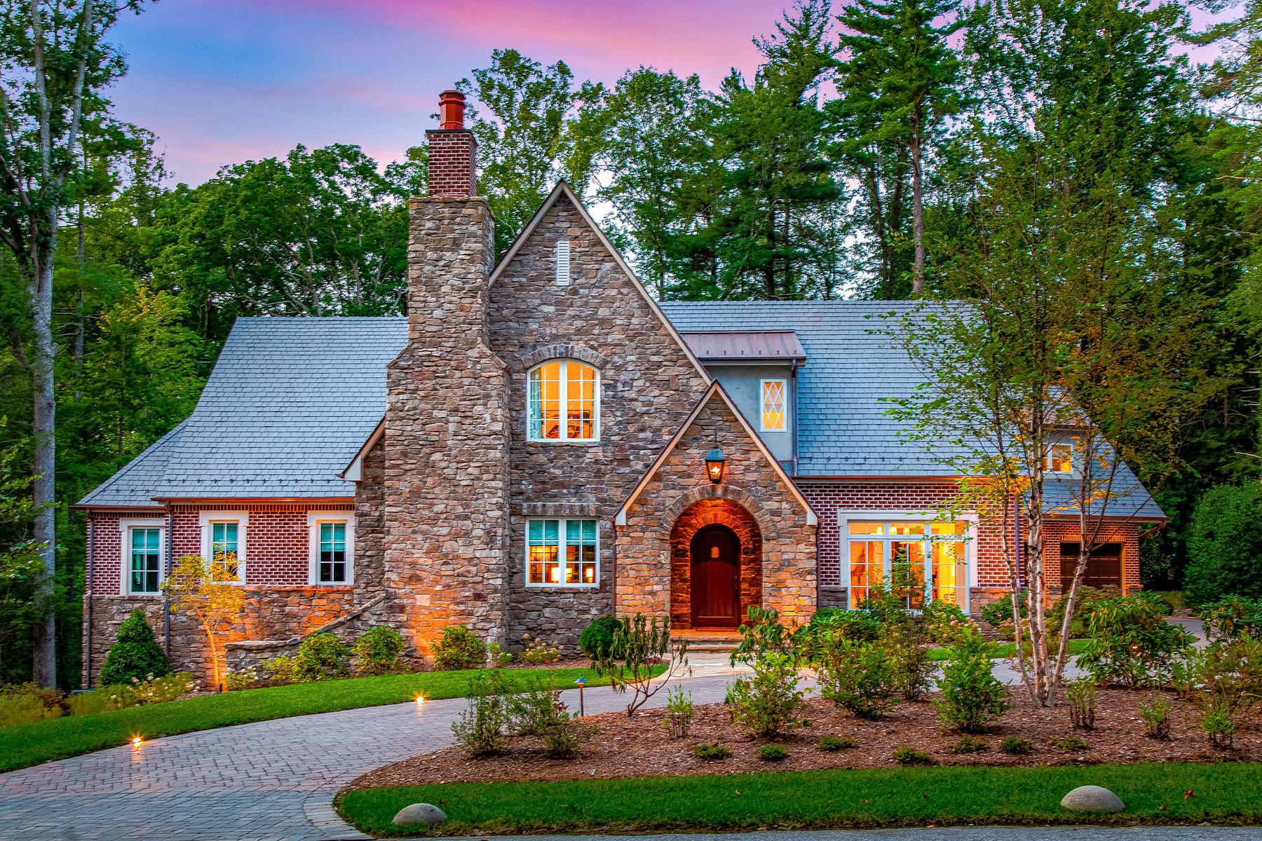 Single Family Homes για την Πώληση στο BILTMORE FOREST 35 Hilltop Rd, Biltmore Forest, Βορεια Καρολινα 28803 Ηνωμένες Πολιτείες