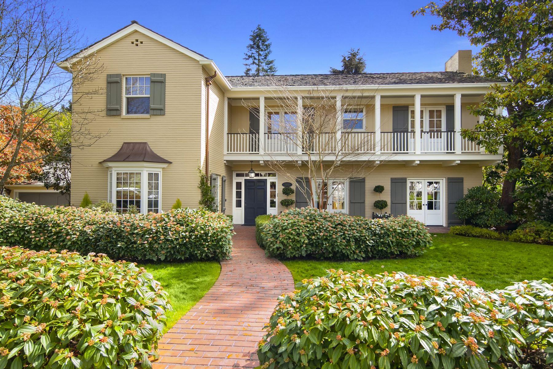 Casa para uma família para Venda às 1550 Shenandoah Dr E Seattle, Washington, 98112 Estados Unidos