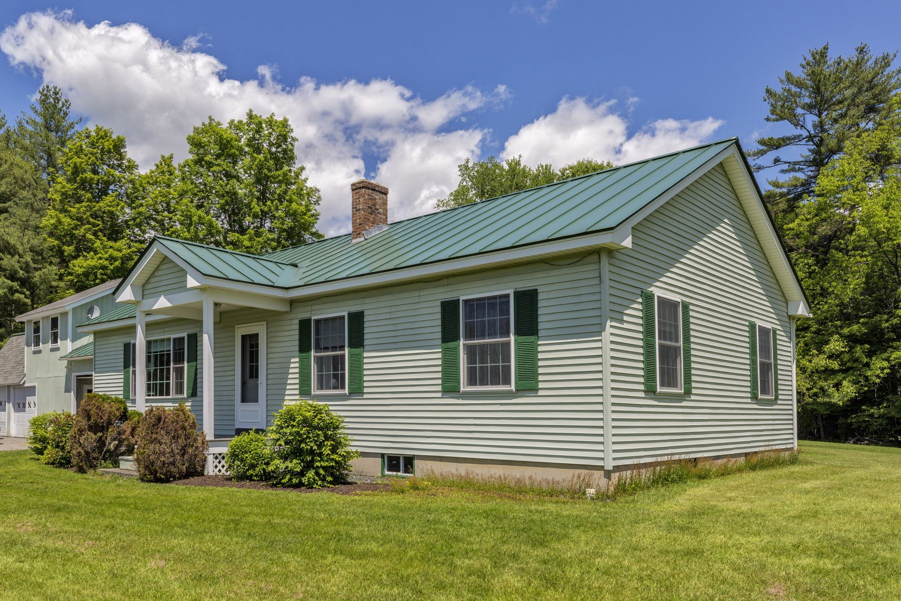 Single Family Homes 为 销售 在 Three Bedroom Ranch in Cornish 34 Dingleton Hill Rd, 康沃尔, 新罕布什尔州 03745 美国