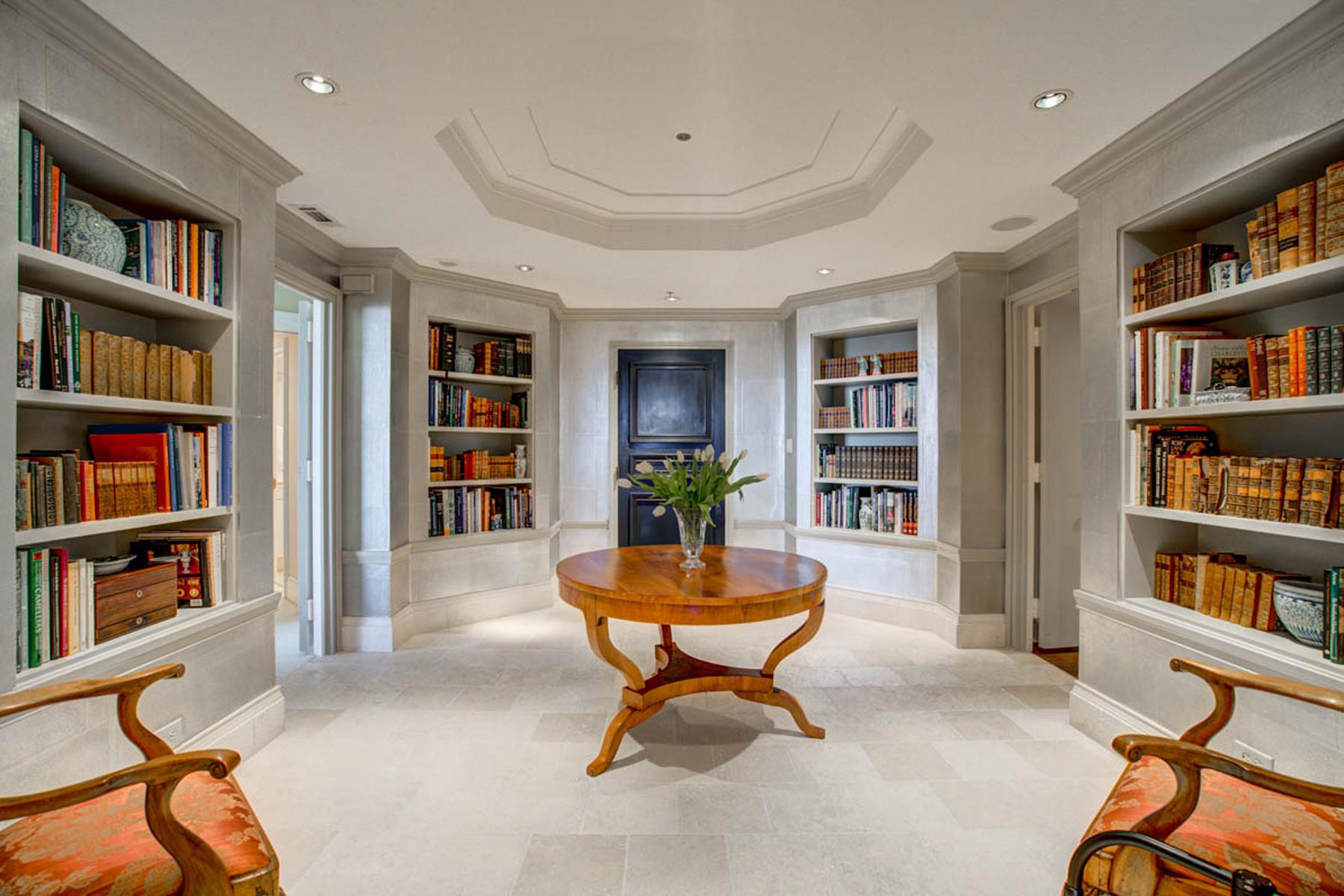 Condominiums для того Продажа на Masterfully Renovated with the Most Spectacular Views 2660 Peachtree Road NW No. 38CD, Atlanta, Джорджия 30305 Соединенные Штаты