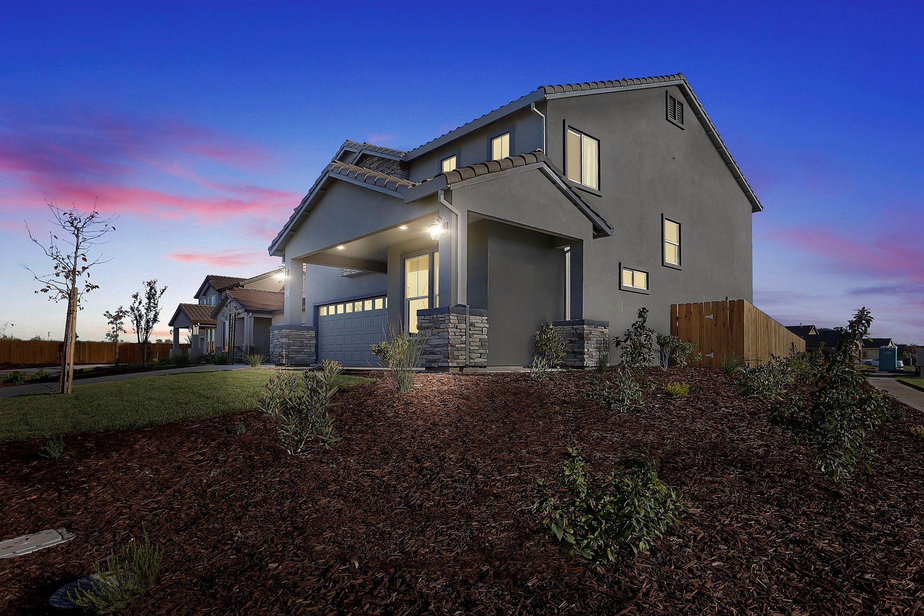 独户住宅 为 销售 在 1854 Old Oak Drive, Stockton 斯托克顿市, 加利福尼亚州, 95206 美国