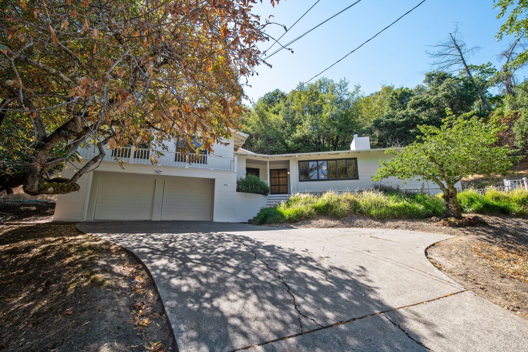 Single Family Homes のために 売買 アット Peaceful Modern Home in Sleepy Hollow 90 Legend Road, San Anselmo, カリフォルニア 94960 アメリカ