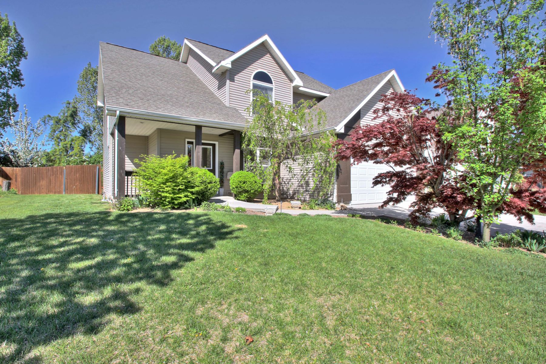Single Family Home for Active at 1299 Crestmont Dr., Meridian 1299 N Crestmont Dr Meridian, Idaho 83642 United States