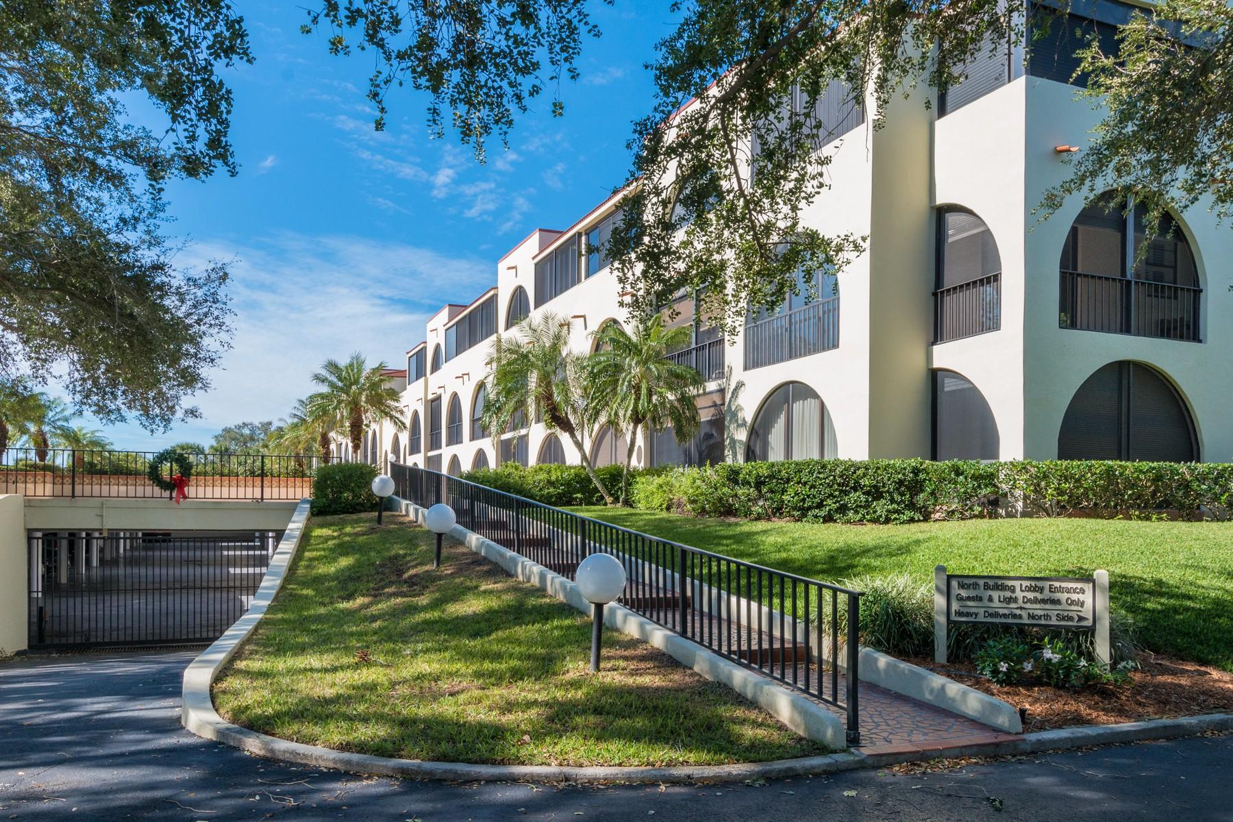 共管式独立产权公寓 为 销售 在 Lovely First Floor Condo 5601 Highway A1A #107N, 维罗海滩, 佛罗里达州, 32963 美国