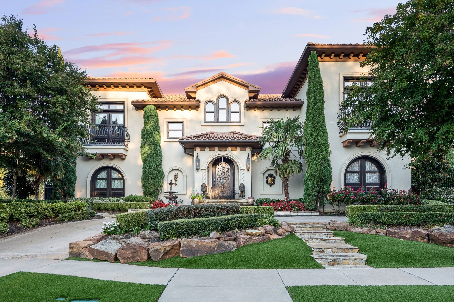 Single Family Homes for Sale at Mediterranean Masterpiece! 5000 Castle Creek Court Plano, Texas 75093 United States