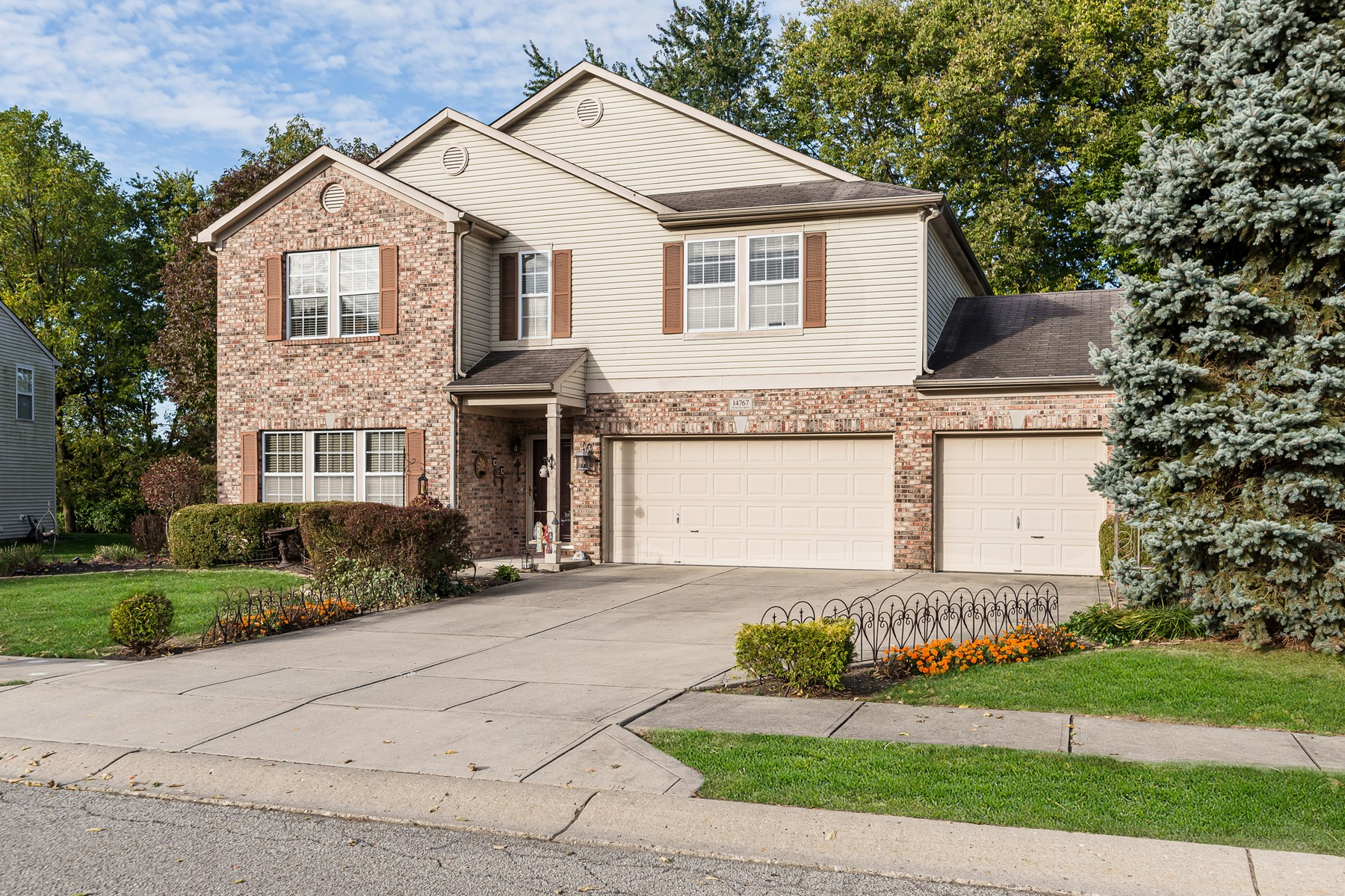 Single Family Homes 为 销售 在 Wonderful Home in Noblesville 14767 Redcliff Drive Noblesville, 印第安纳州 46060 美国