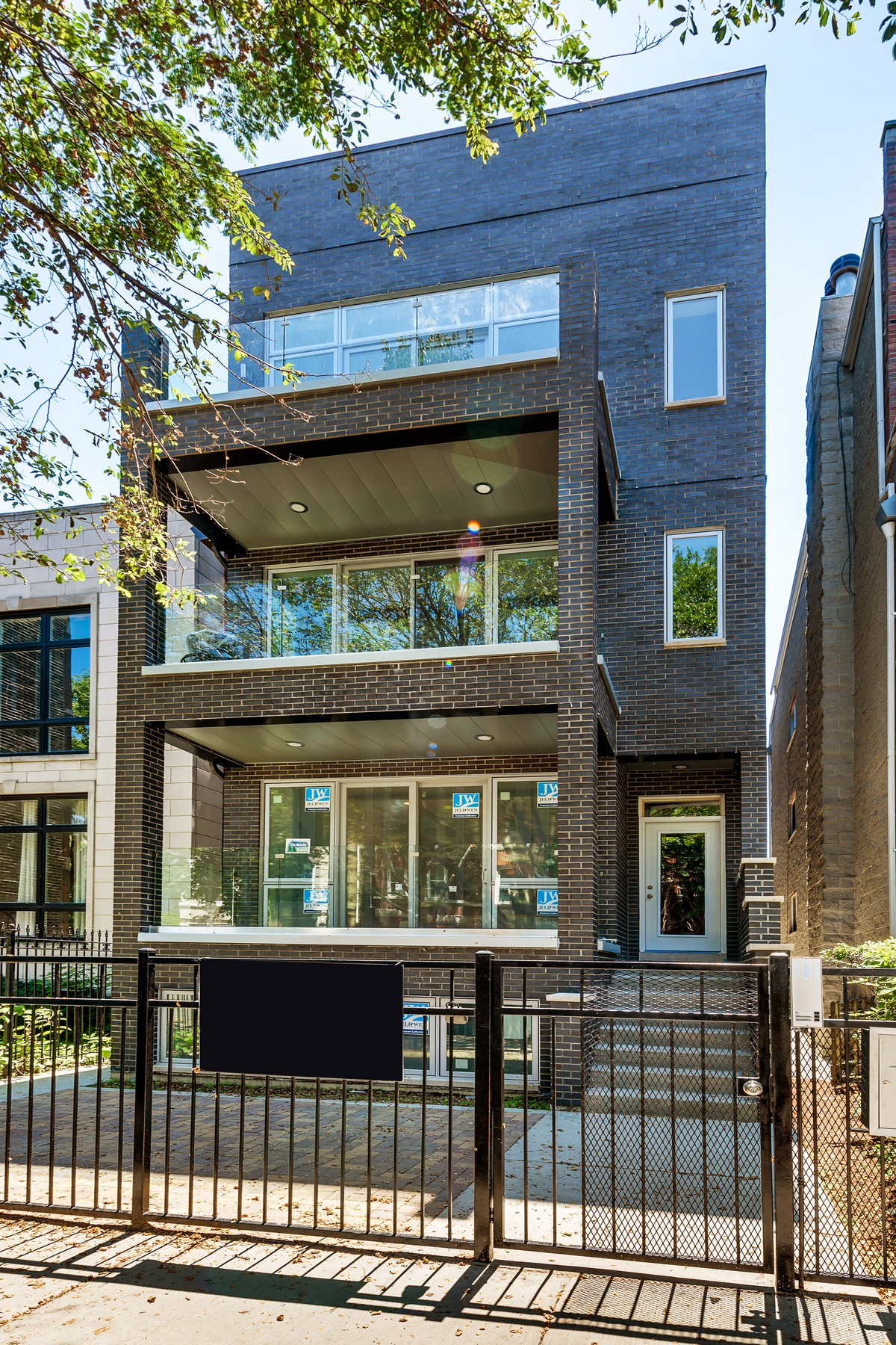 Condominium for Sale at Beautiful Wicker Park New Development Penthouse! 1232 N Noble Street Unit 3 West Town, Chicago, Illinois, 60642 United States