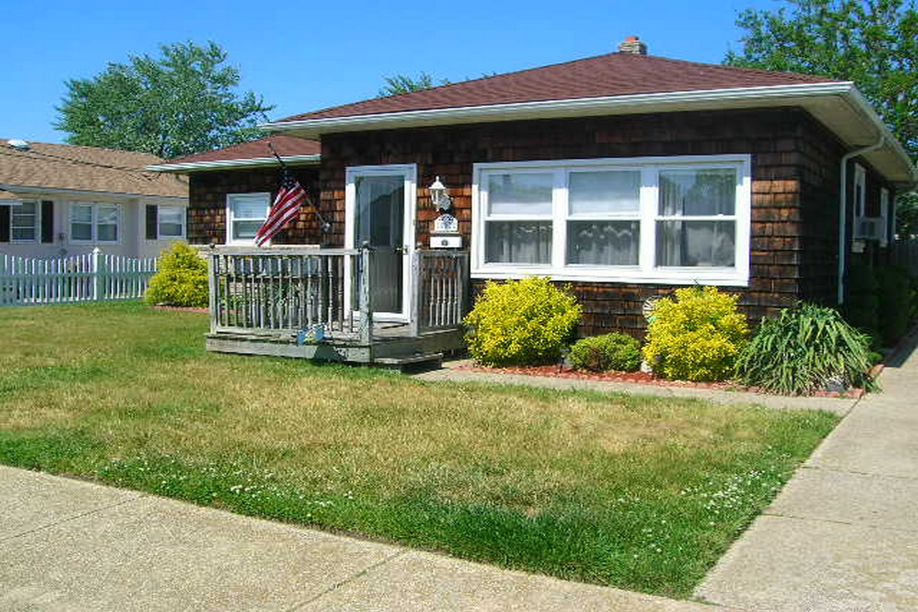 Single Family Home for Sale at 503 N Cornwall 503 N Cornwall Ventnor, New Jersey 08406 United States