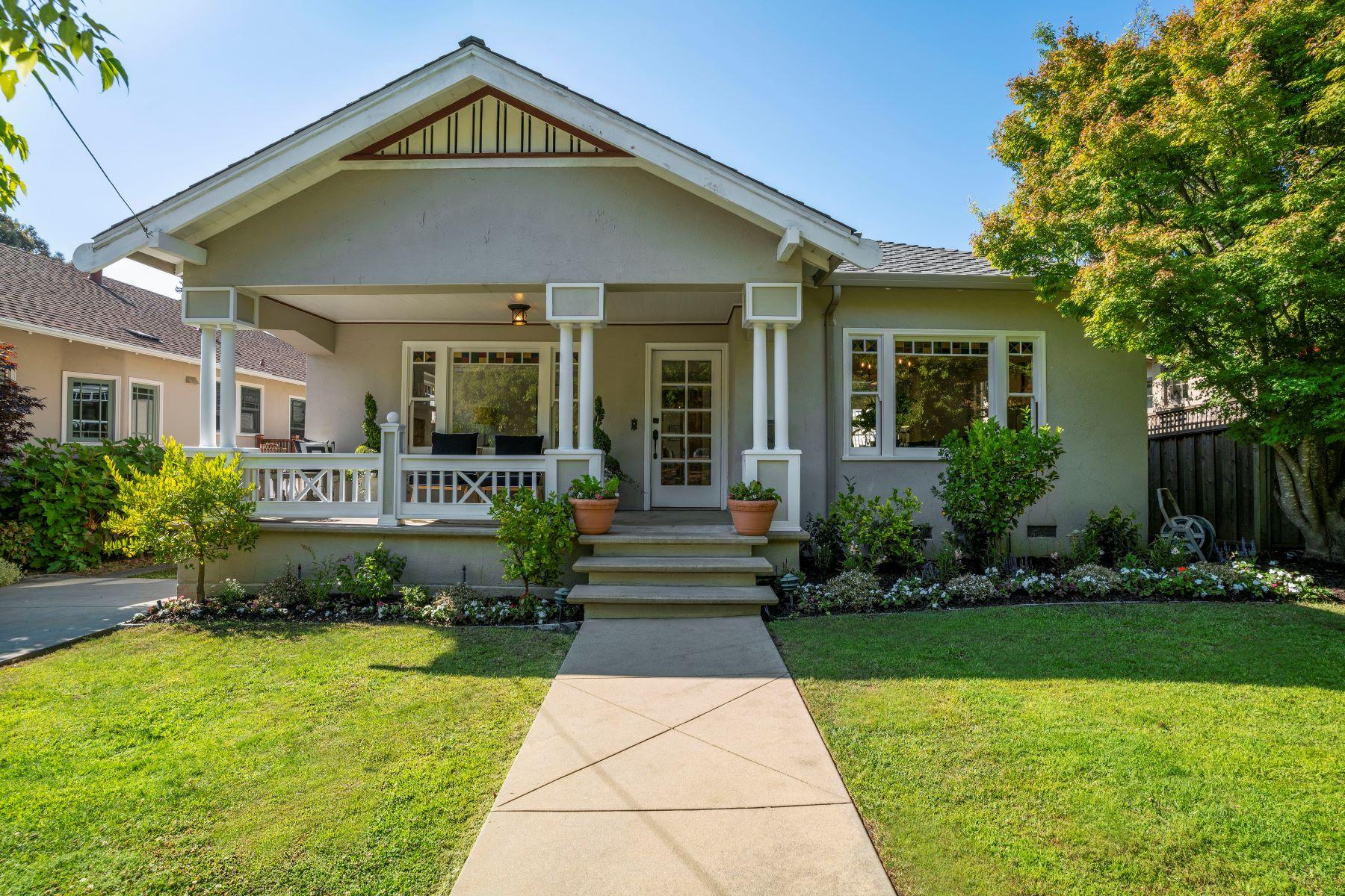 Single Family Homes 为 销售 在 Charming Bungalow in San Mateo Park 166 Warren Road 圣马特奥市, 加利福尼亚州 94401 美国