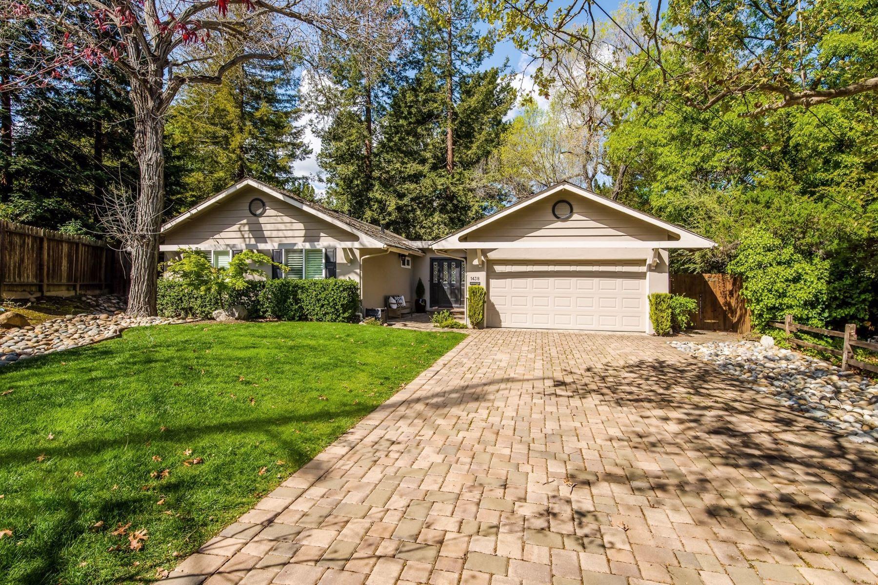 Single Family Homes for Active at Enchanted Setting Single Story 1438 Corona Place Walnut Creek, California 94597 United States