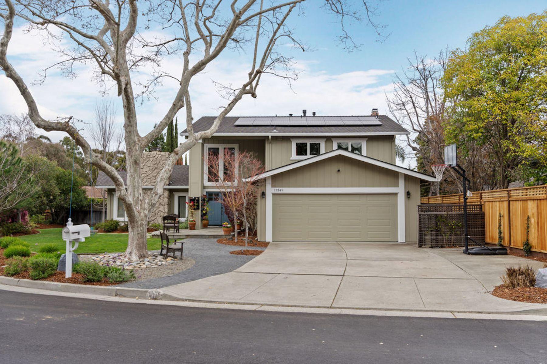 Single Family Homes para Venda às Monte Sereno Beauty 17349 Creekside Court, Monte Sereno, Califórnia 95030 Estados Unidos