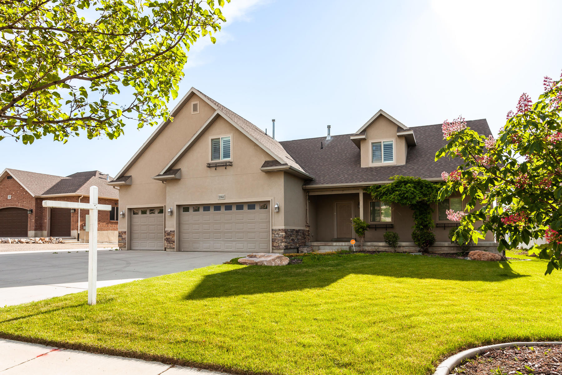 Single Family Homes for Active at Turn Key Draper Two-Story 11964 South 700 West Draper, Utah 84020 United States