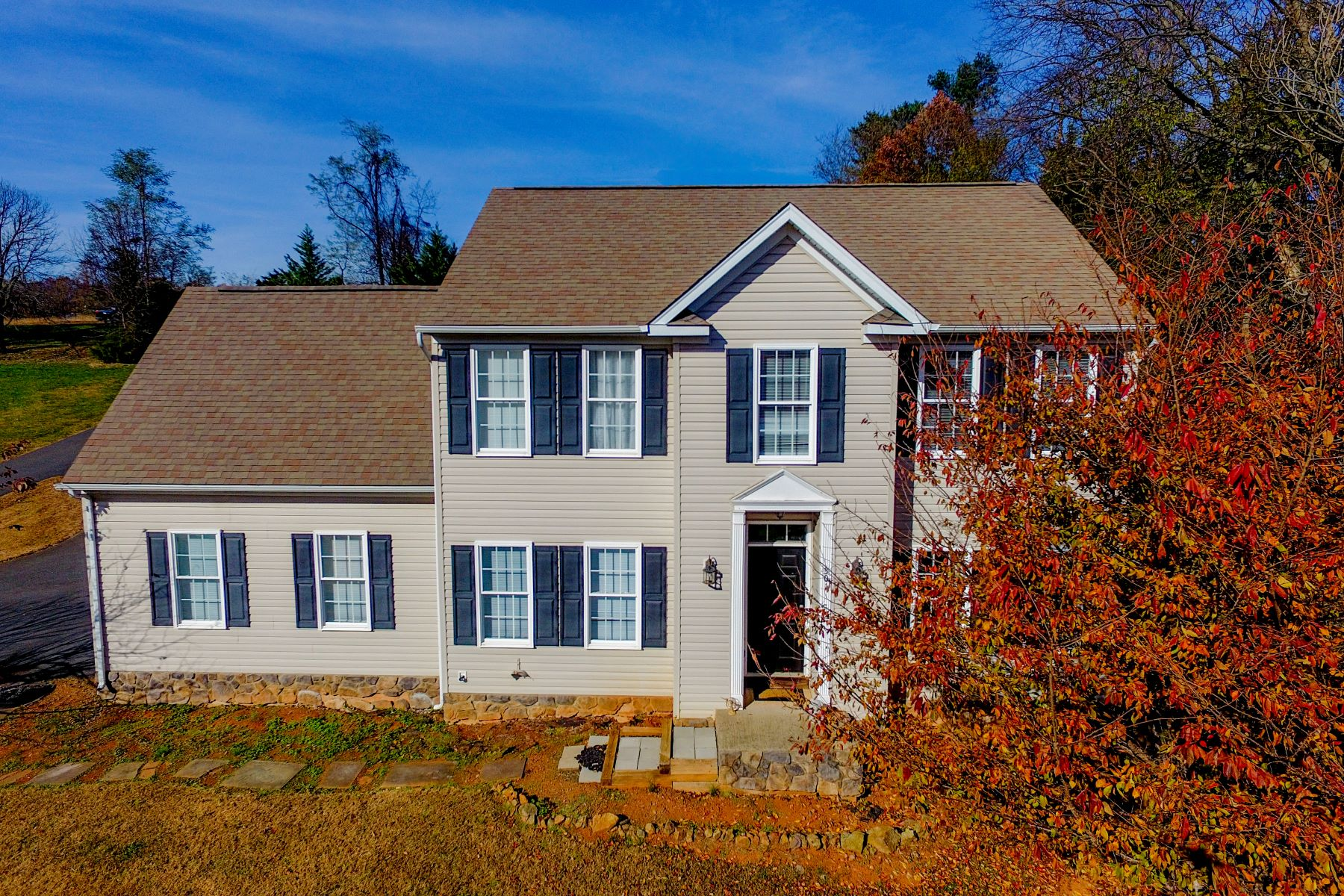 Single Family Homes for Active at 301 Poplar Forest Orange, Virginia 22960 United States